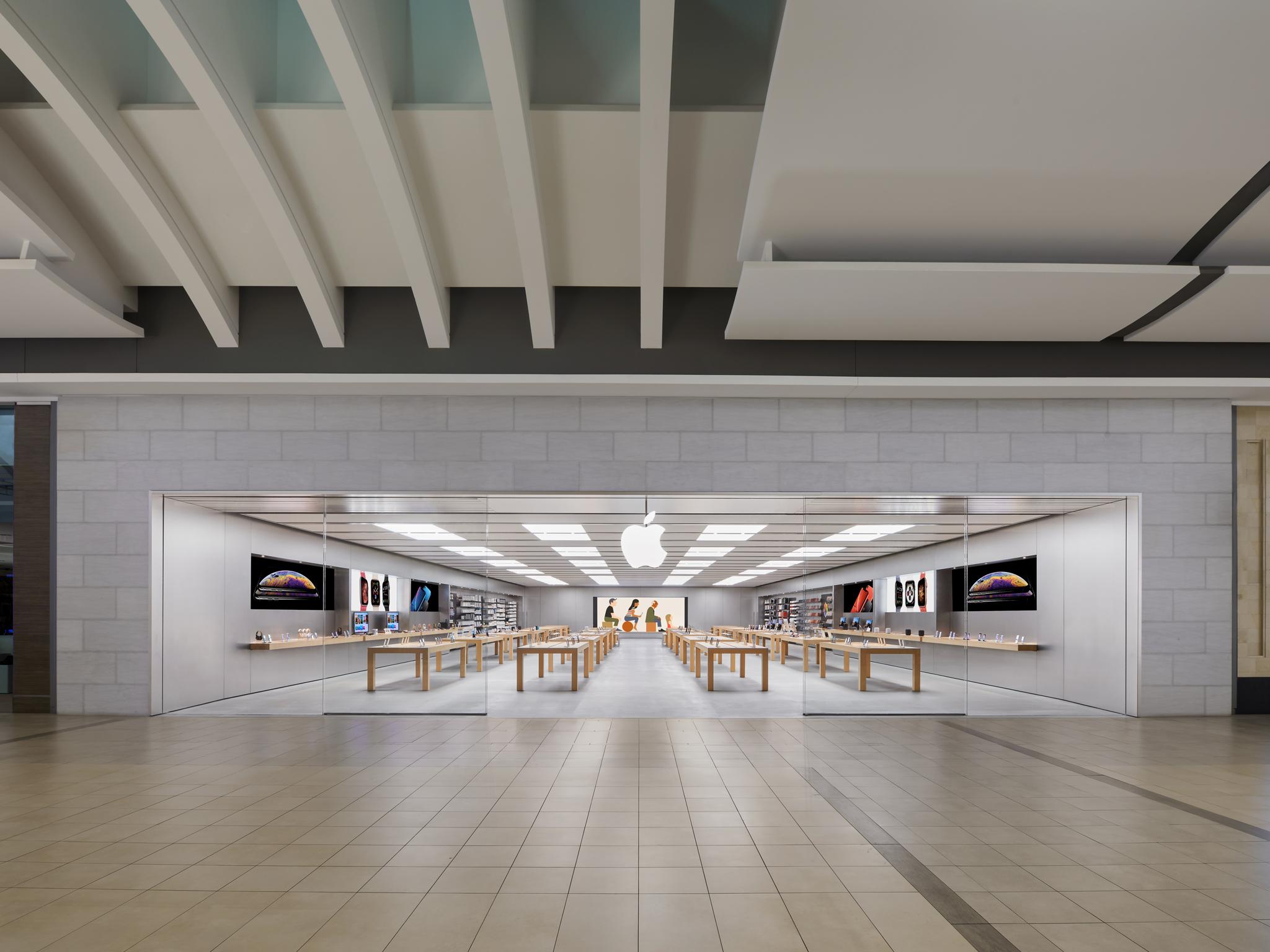 Apple Carrefour Laval