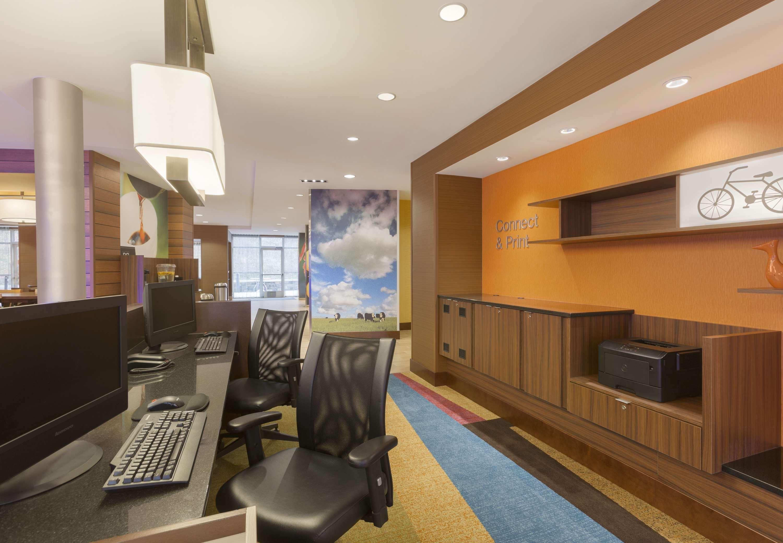 fairfield inn suites by marriott pittsburgh airport. Black Bedroom Furniture Sets. Home Design Ideas