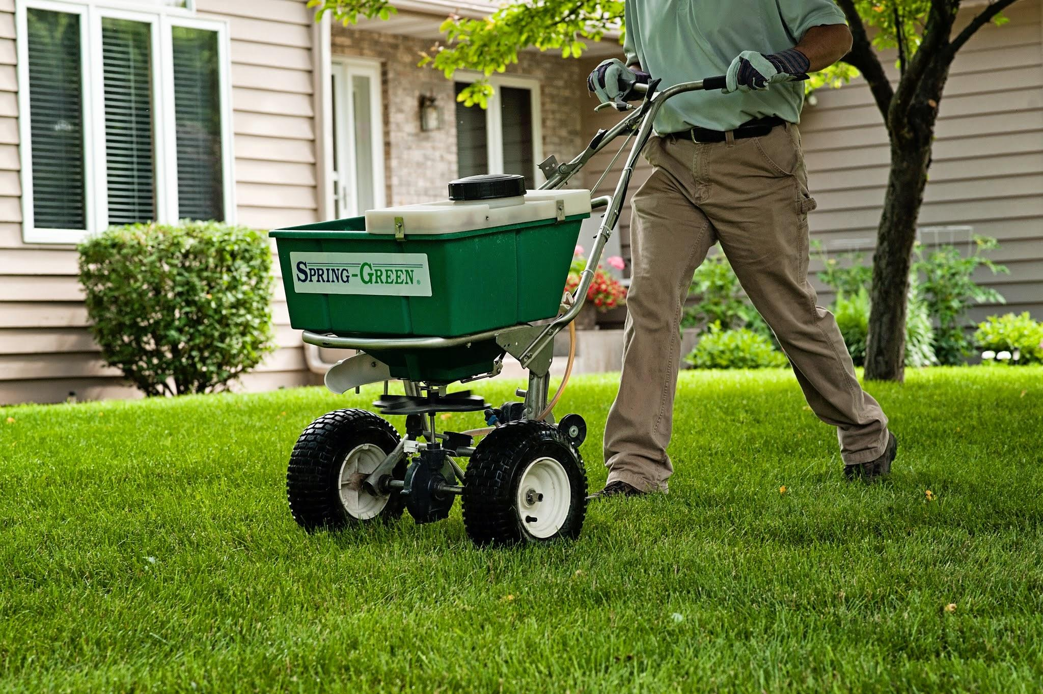 Spring green lawn care waconia minnesota mn for Local garden maintenance