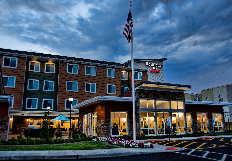 Hotels Near Springfield