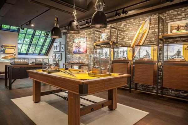 BREITLING BOUTIQUE AMSTERDAM