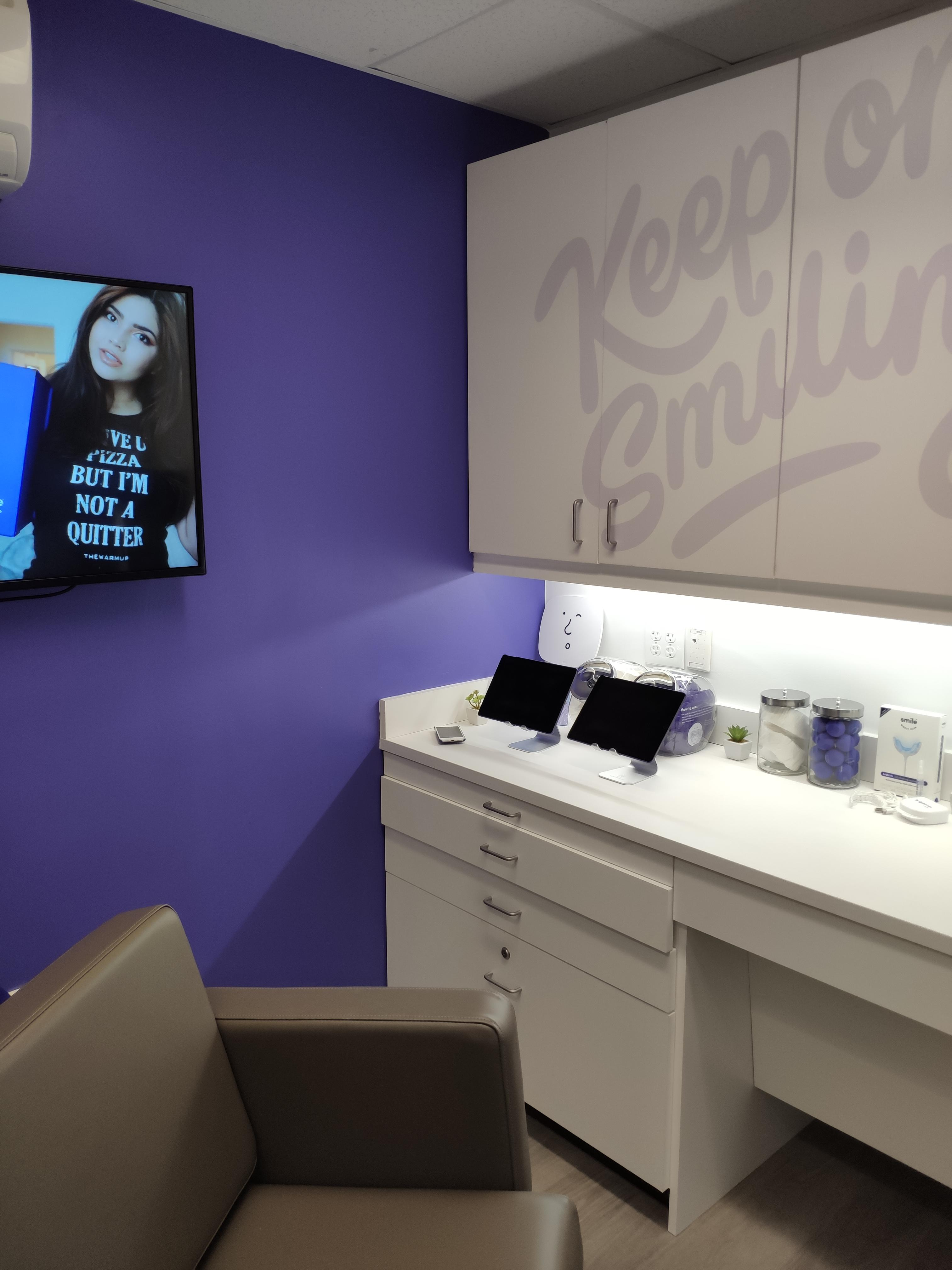 Smile Direct Club Leawood (800)688-4010