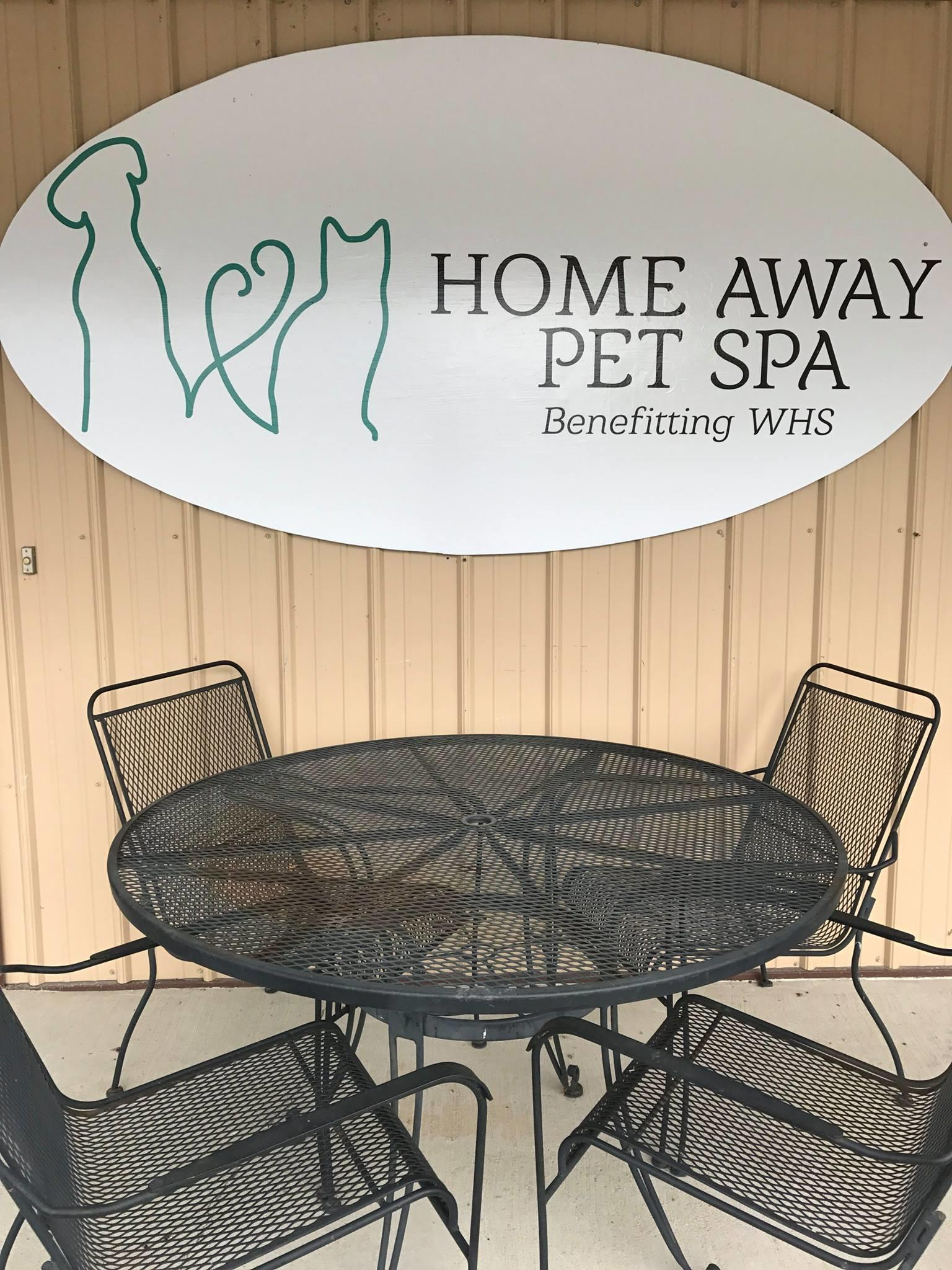 Home away pet spa newburgh indiana in for A touch of class pet salon