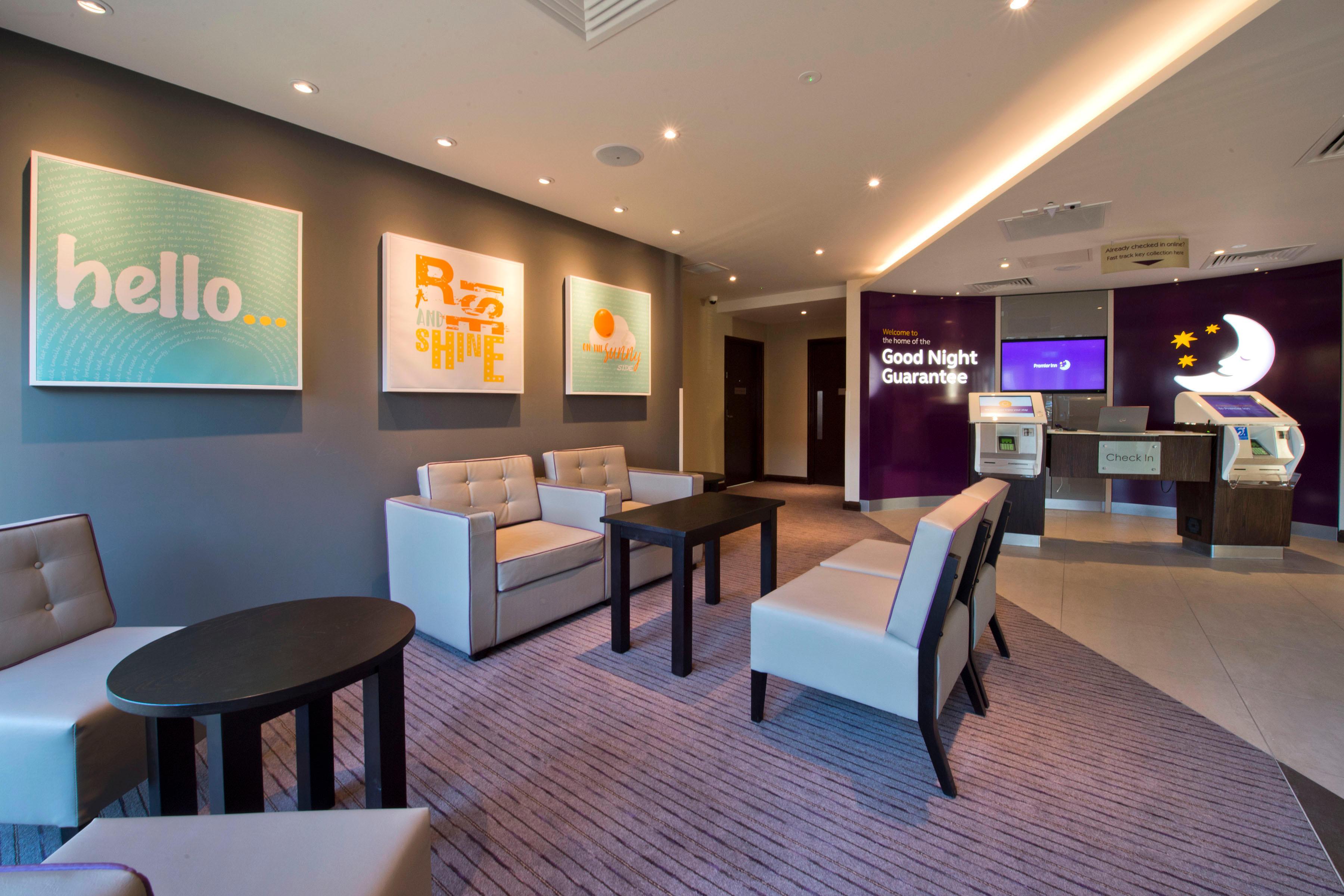 Premier Inn Slough Central South (Windsor Road) hotel