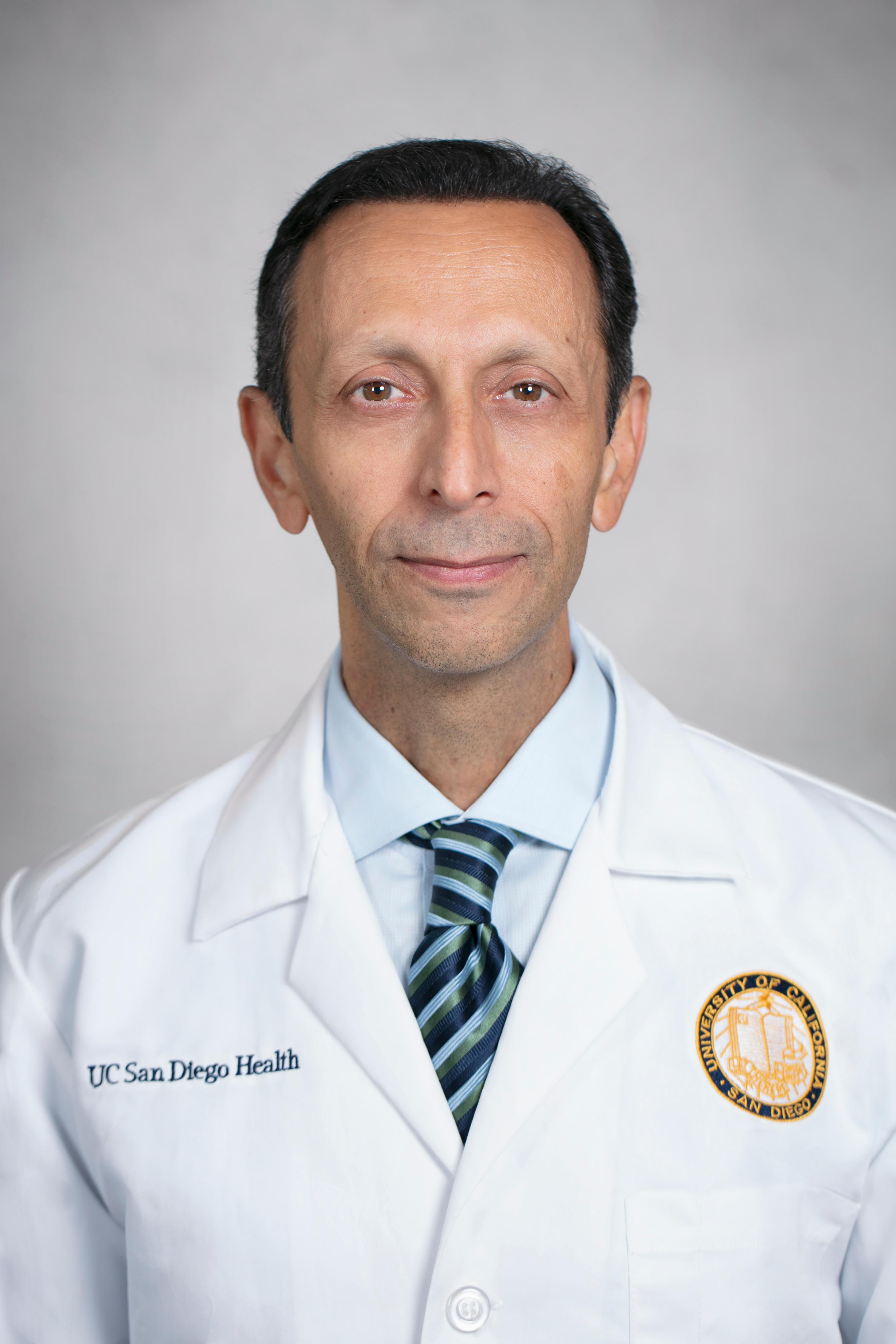 Farshad M Ahadian, MD Pain Management