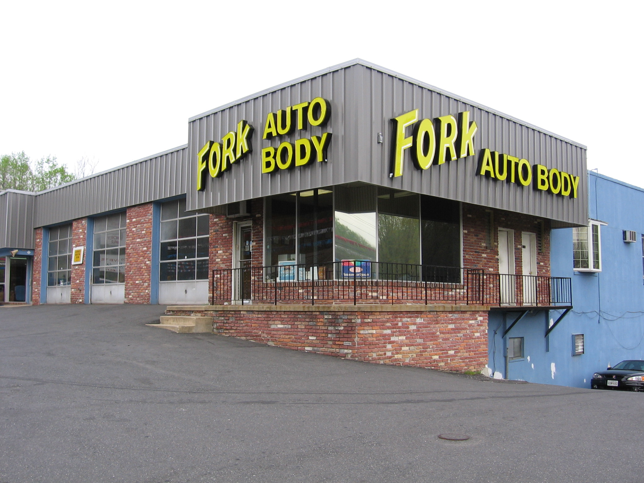 Fork auto body fallston maryland md for Plaza motors collision center