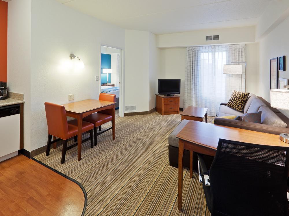 Residence Inn by Marriott Chicago Oak Brook image 4