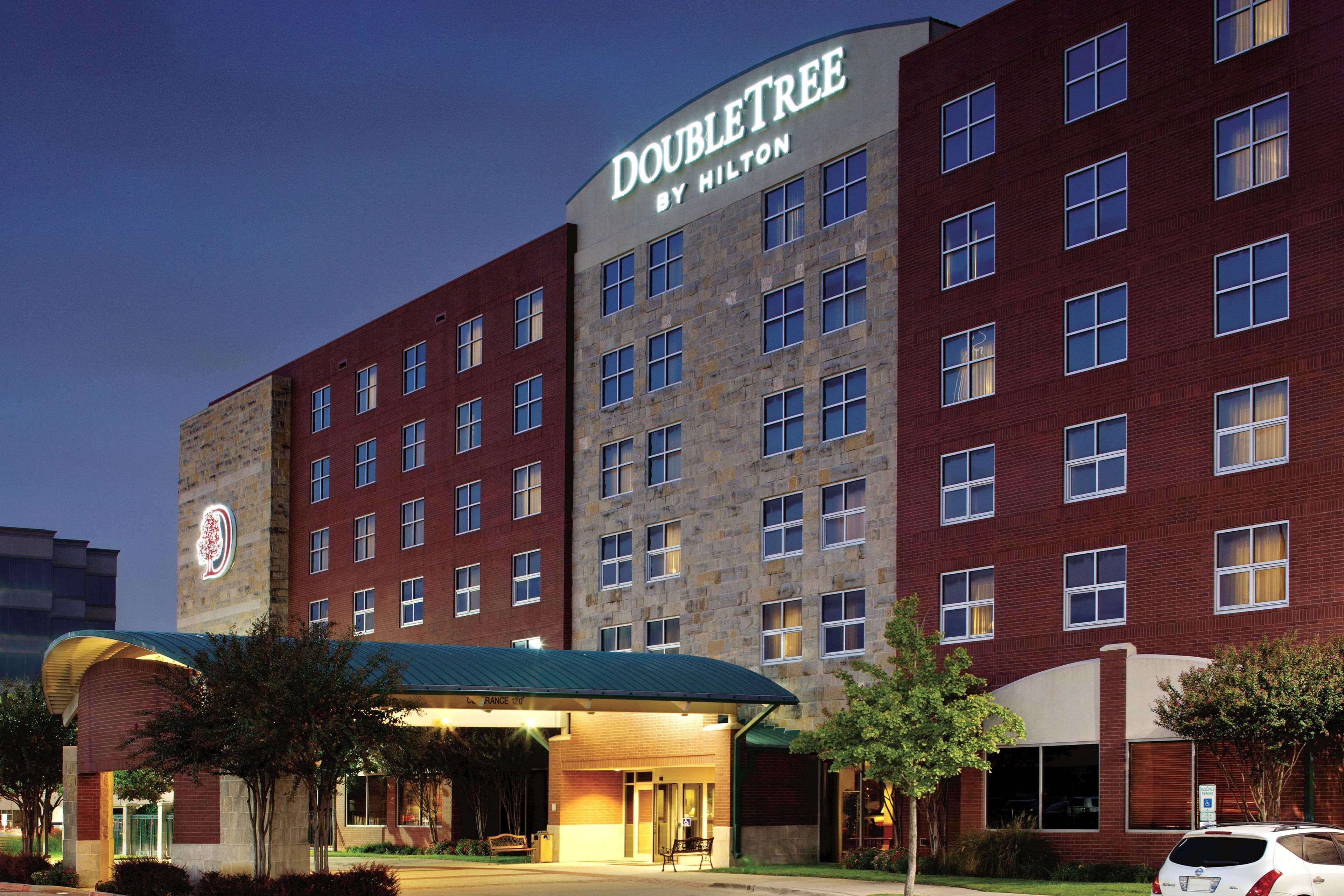 doubletree by hilton hotel dallas farmers branch. Black Bedroom Furniture Sets. Home Design Ideas