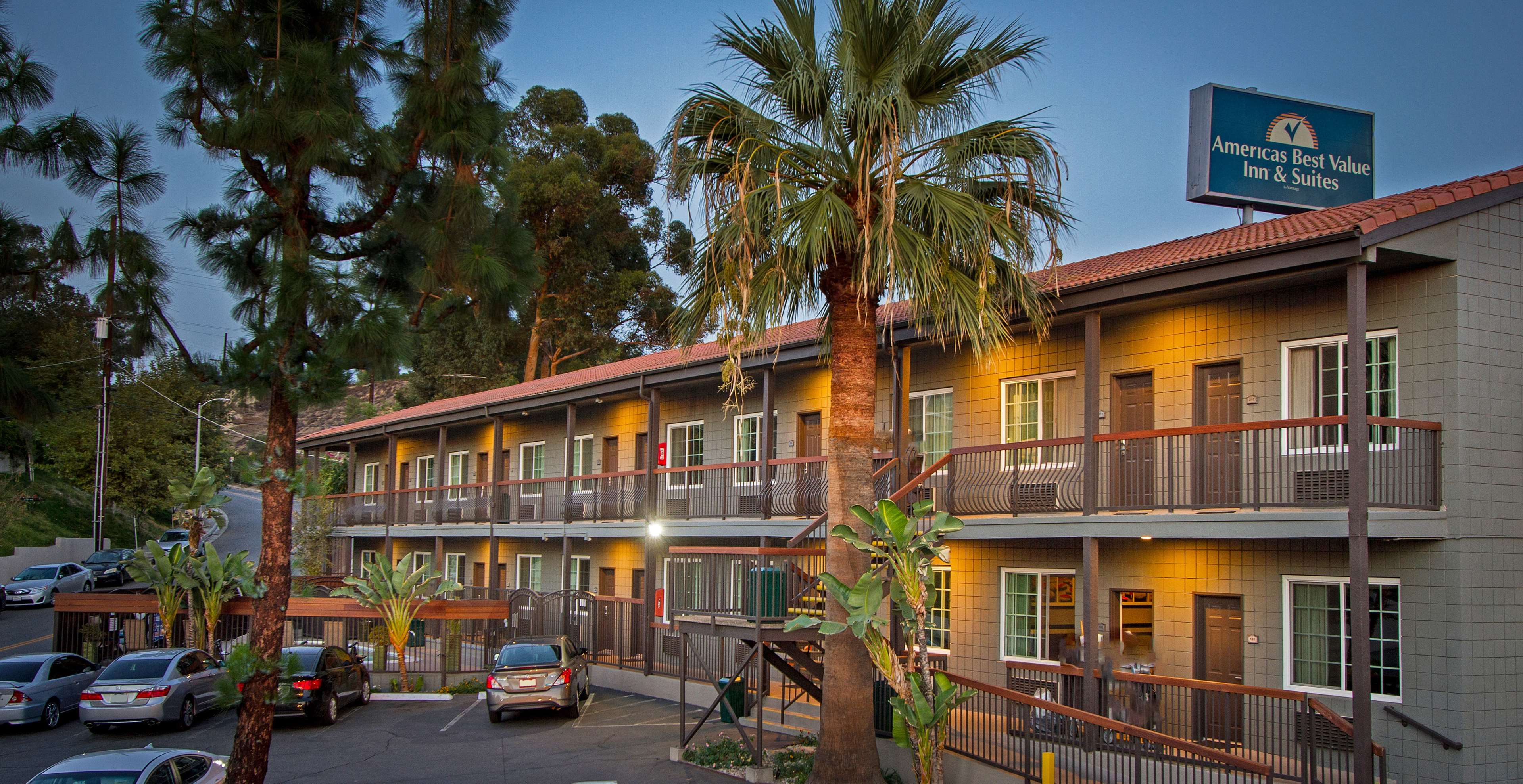 Hotels Near Magic Mountain Ca