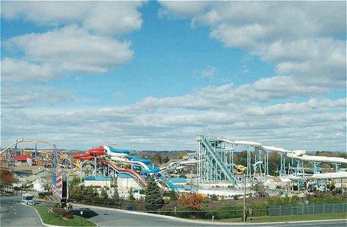 Holiday Inn Express & Suites Allentown Dorney Park Area - Allentown, PA -