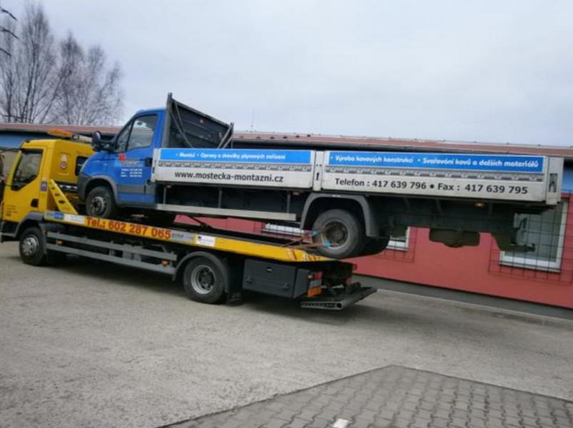 Odtahové služby pro osobní i dodávkové vozy - UŠÁK