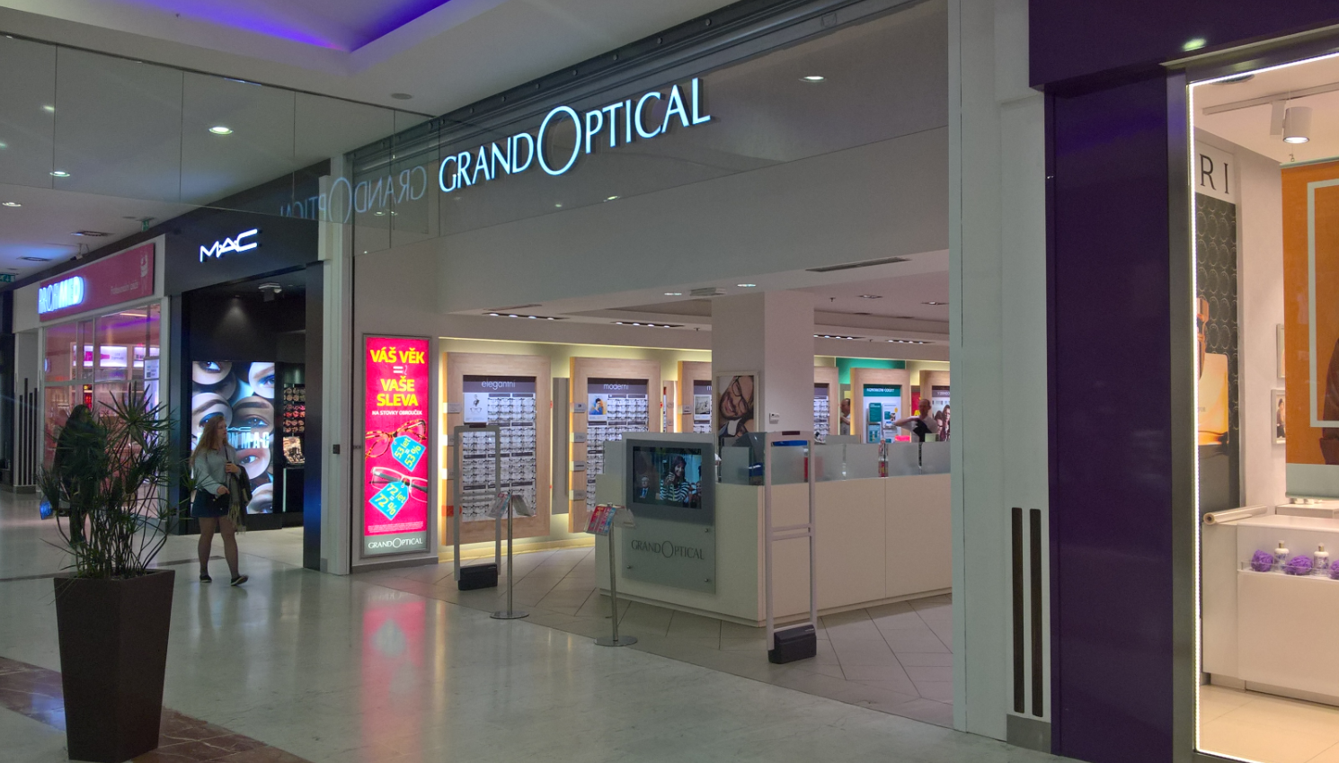 GrandOptical - oční optika OC Nový Smíchov
