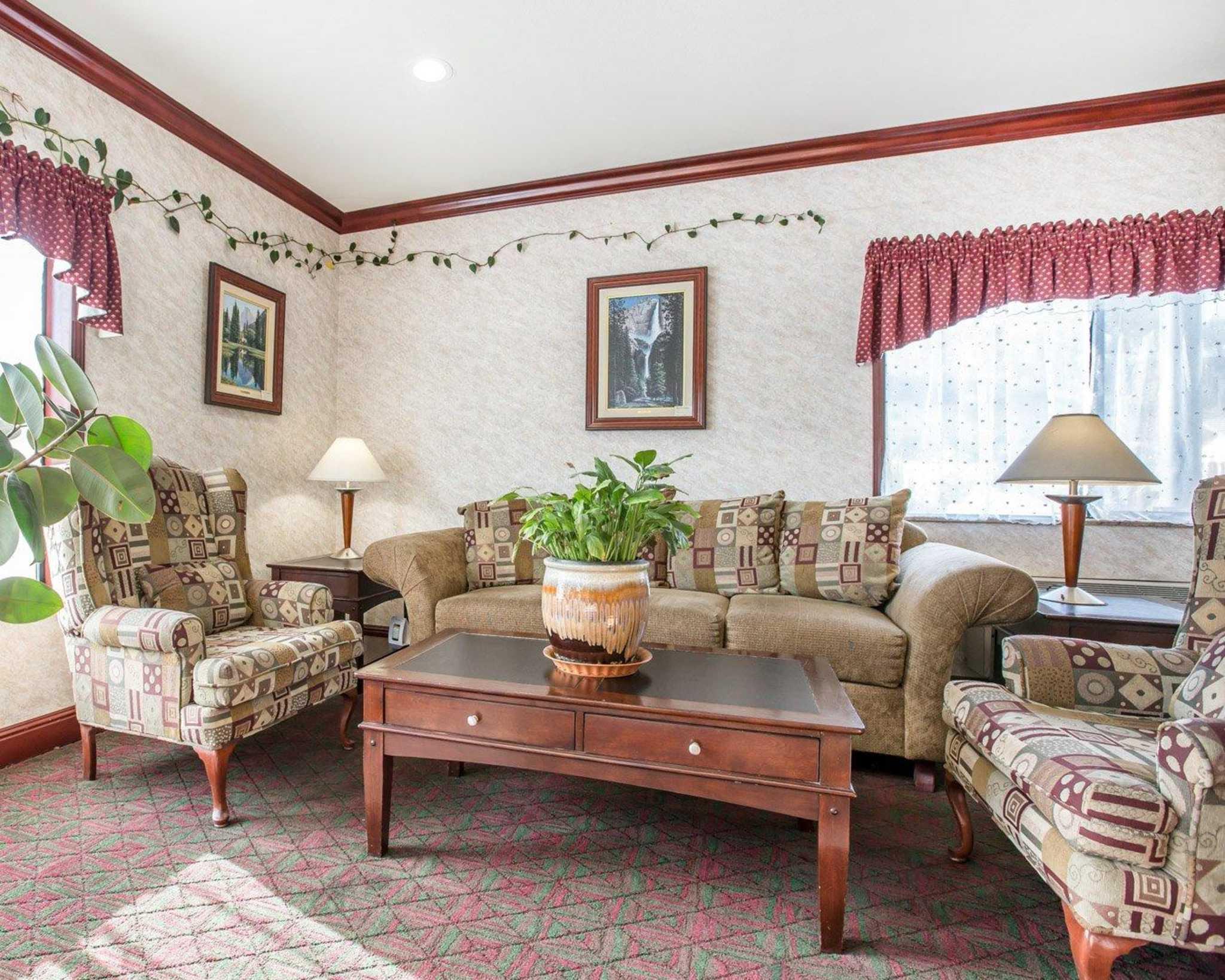 Comfort Inn Yosemite Area, Oakhurst California (CA ...  Comfort Inn Yosemite Area Oakhurst