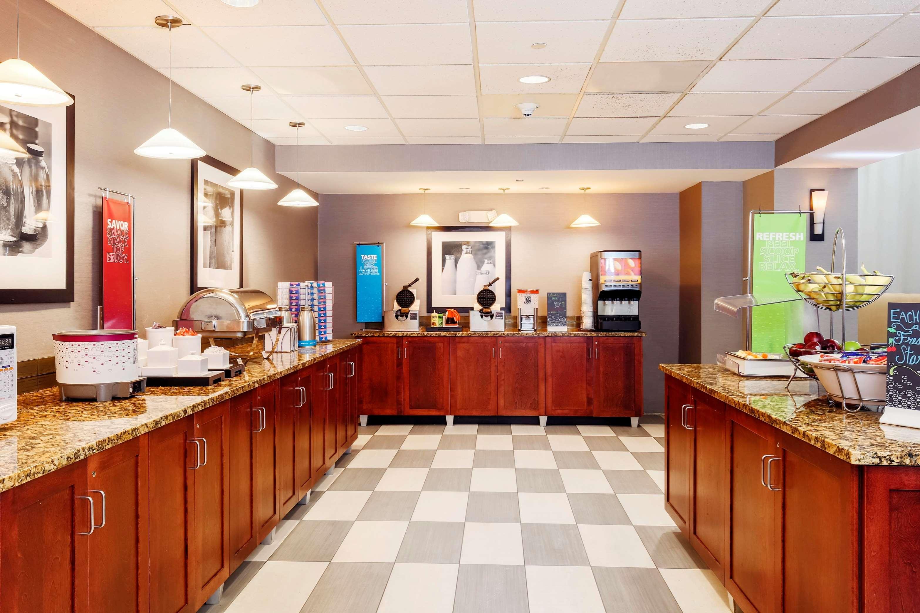 hampton inn suites poughkeepsie in poughkeepsie ny. Black Bedroom Furniture Sets. Home Design Ideas