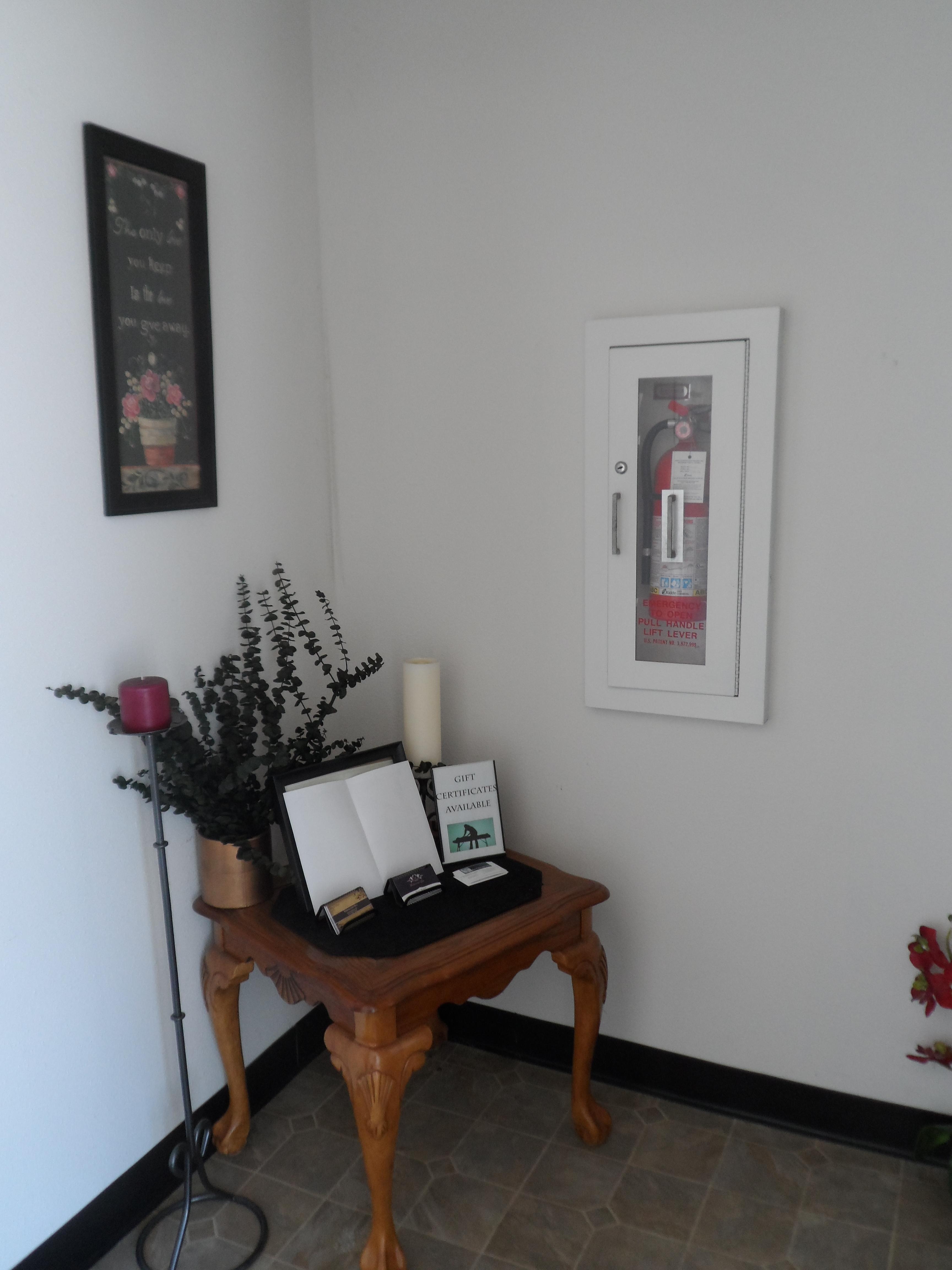 Fire Hnder Massage Terapi