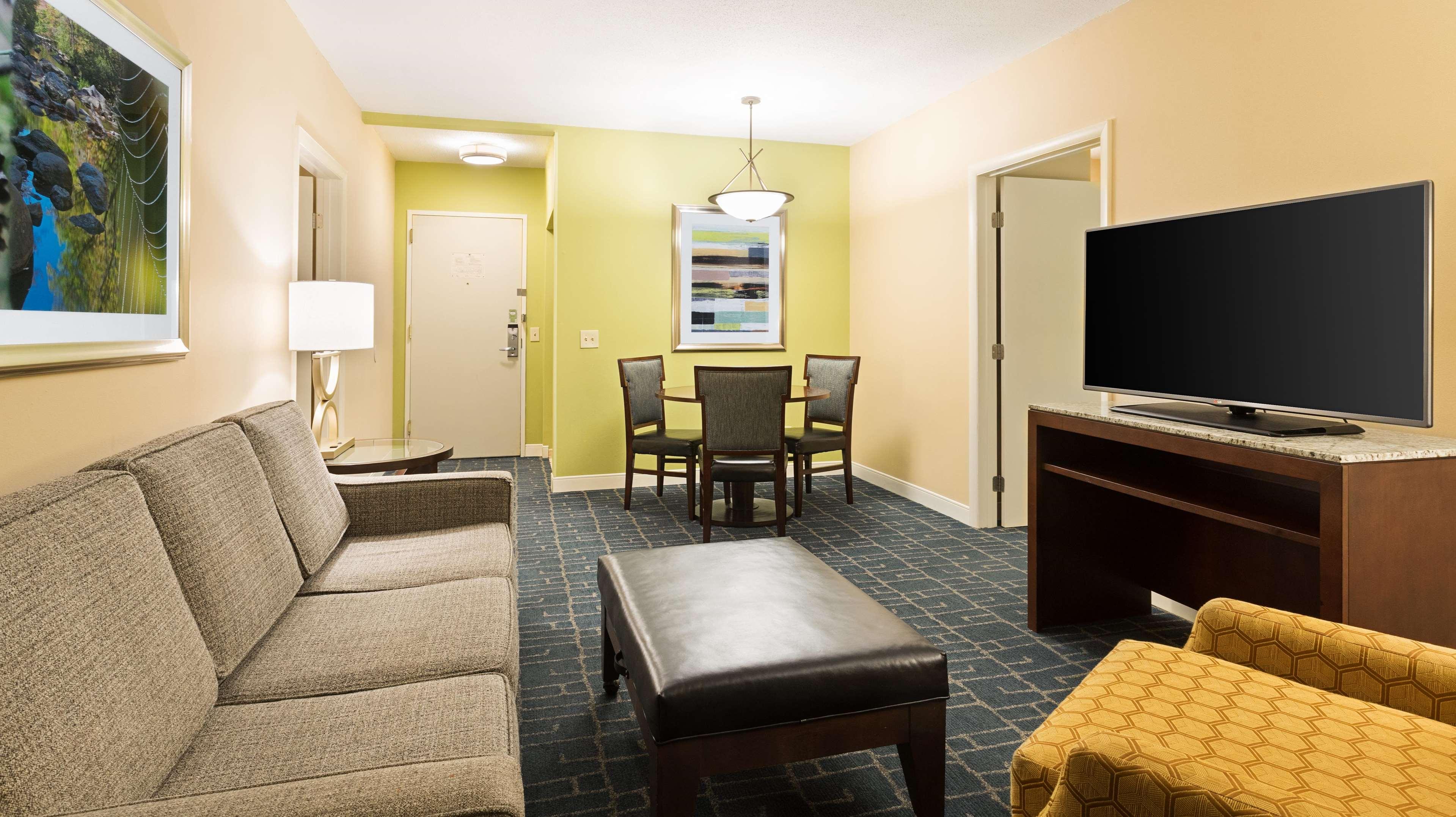 Doubletree Suites By Hilton Hotel Charlotte Southpark Charlotte North Carolina