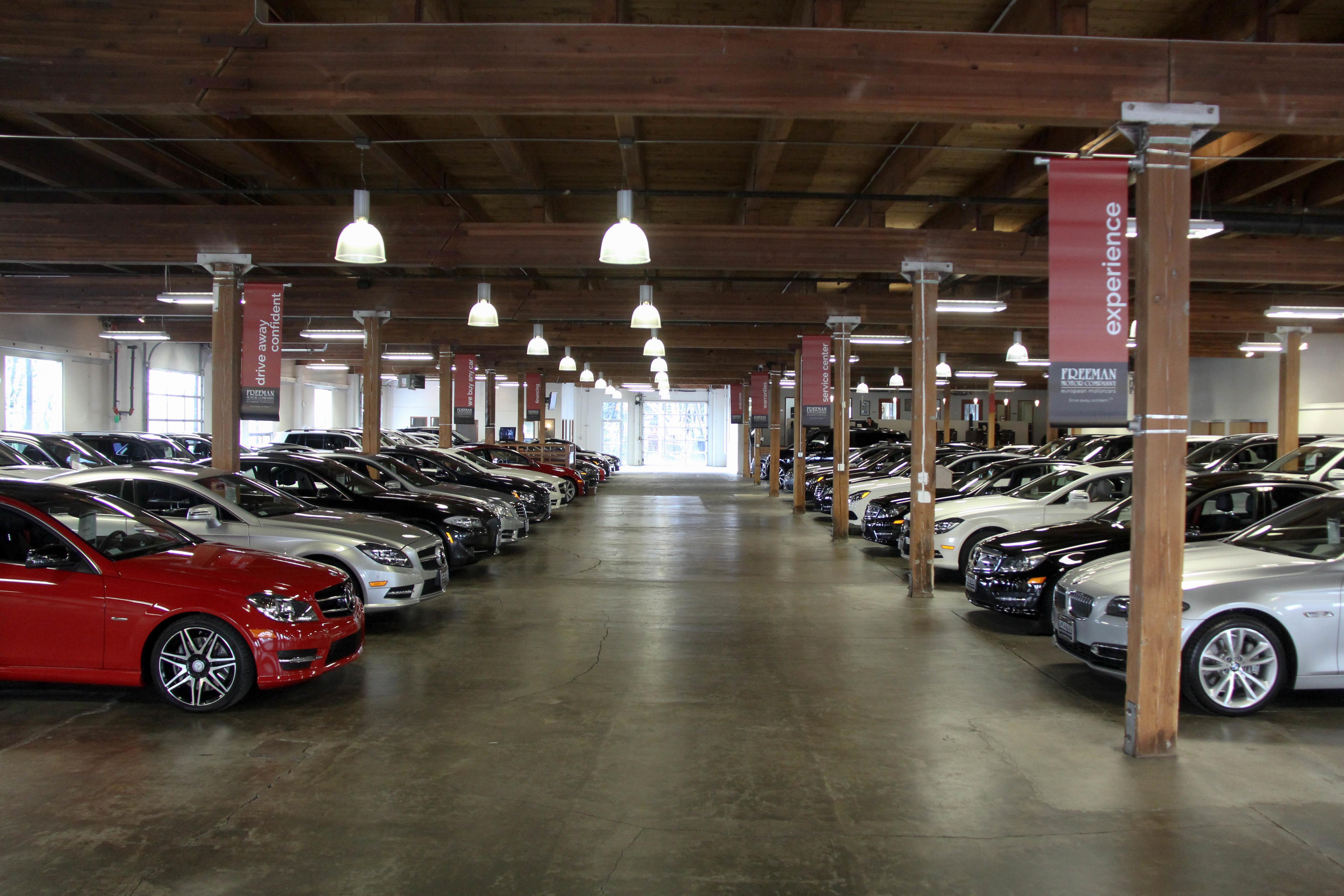 freeman motor showroom used car dealers portland oregon. Black Bedroom Furniture Sets. Home Design Ideas