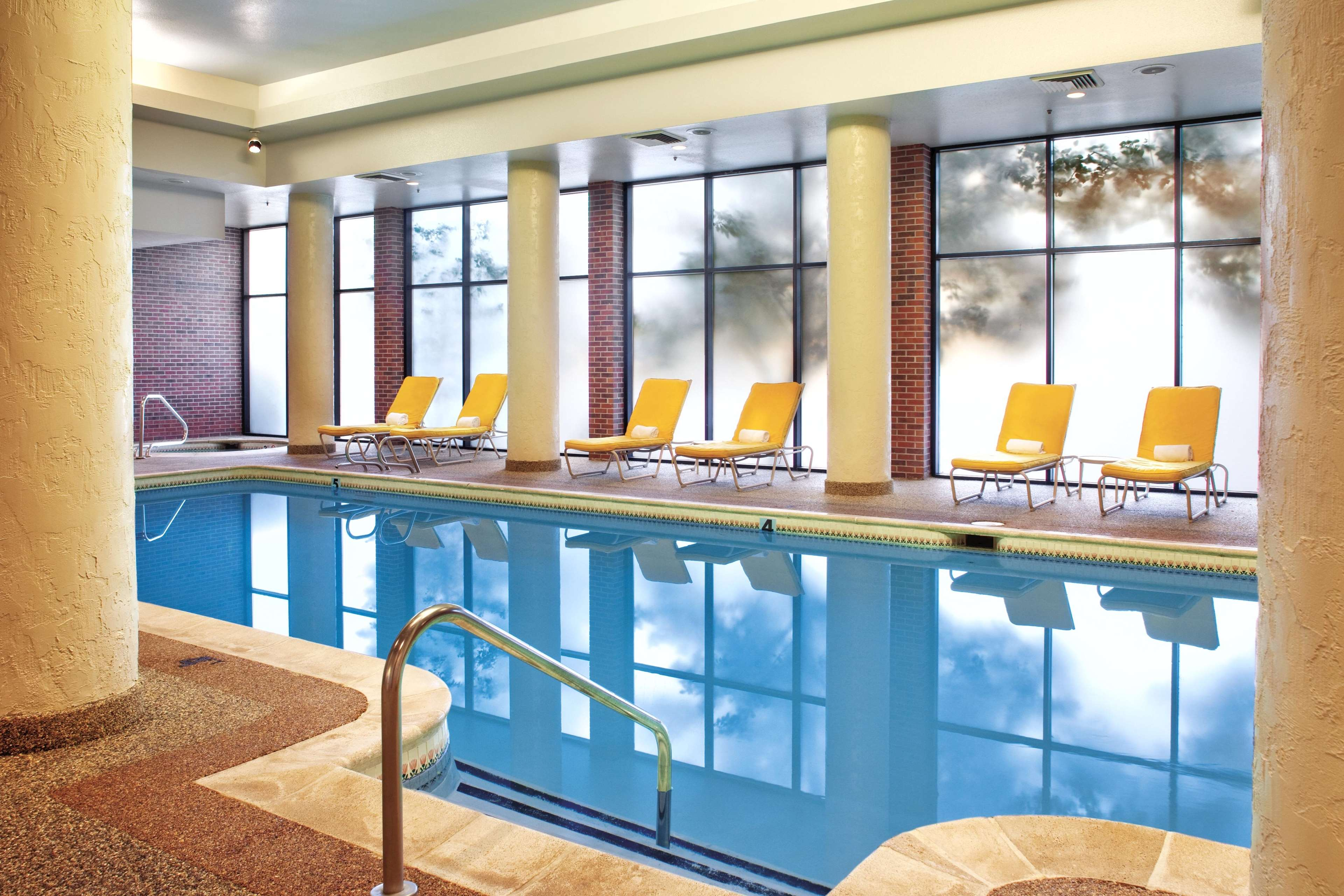 Doubletree By Hilton Hotel Denver Aurora Coupons Aurora Co Near Me 8coupons