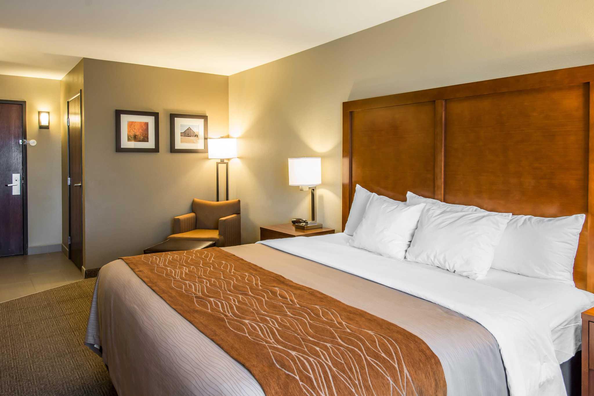 Comfort Inn Amp Suites Spokane Valley Washington Wa