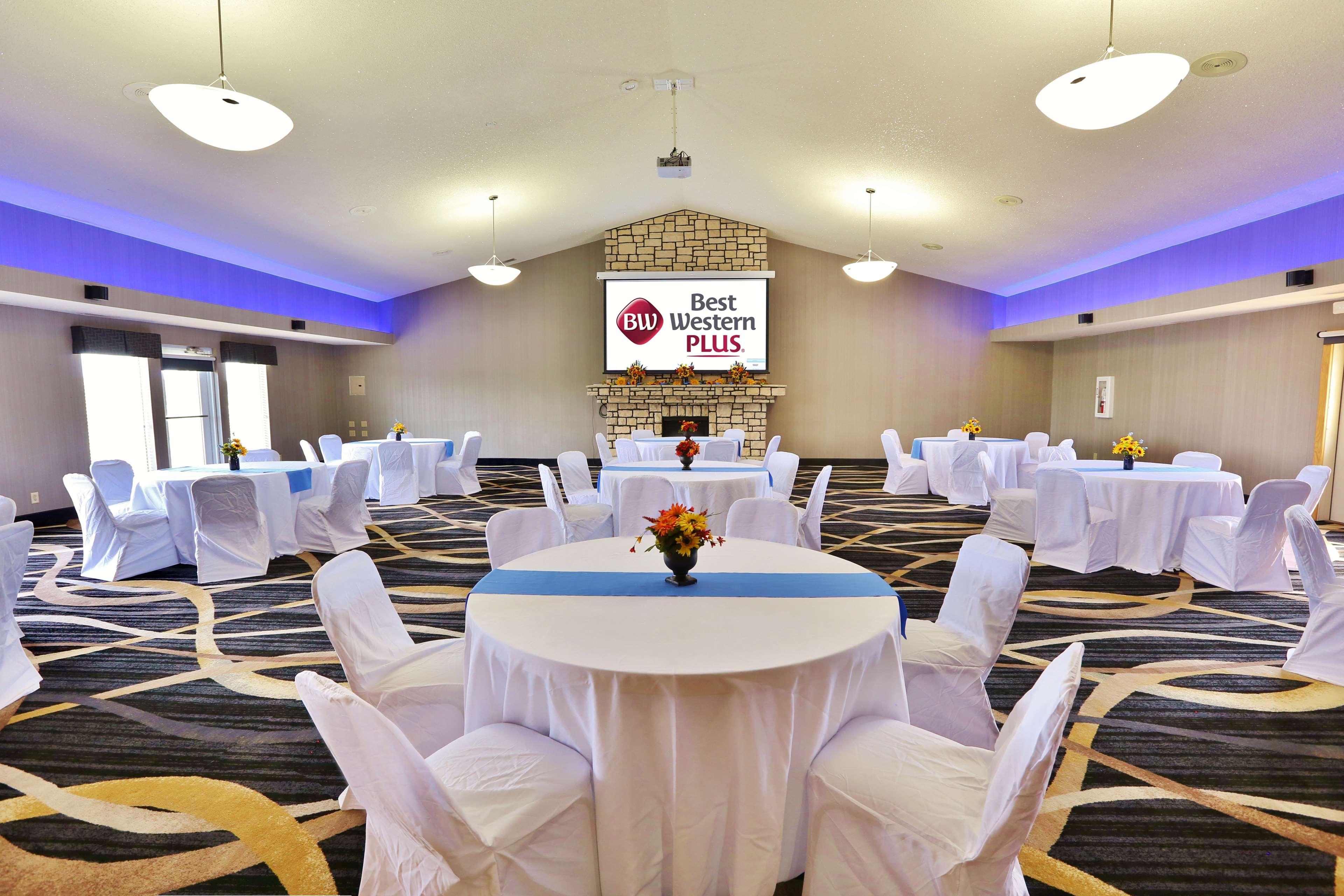 Meeting Banquet Hall