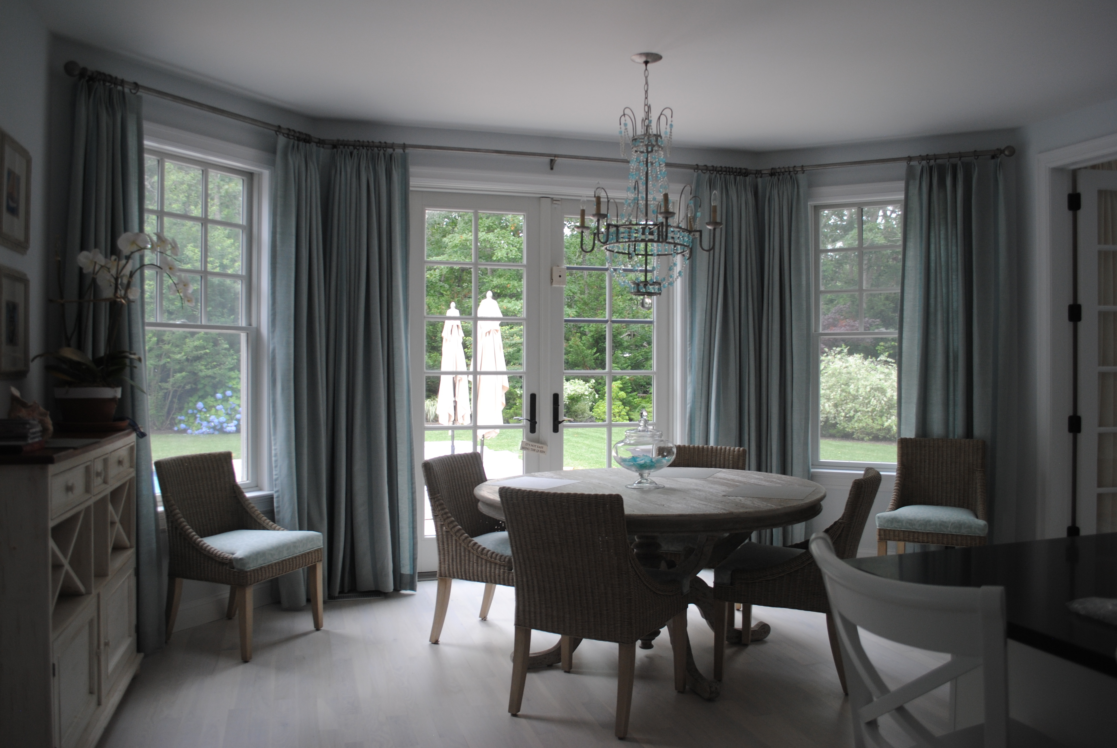 Hampton window style in sag harbor ny 11963 for Hamptons style window treatments