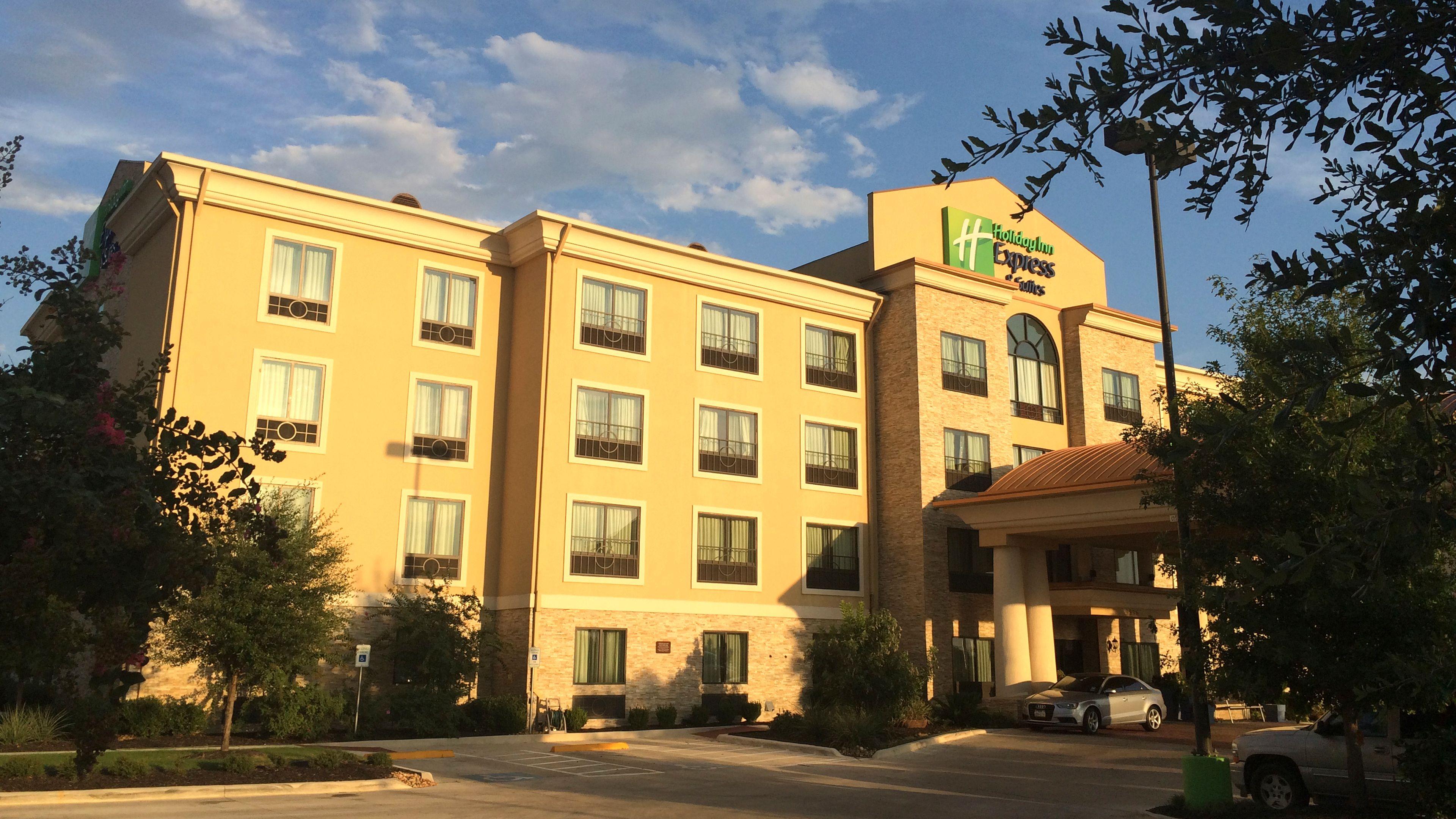 Holiday Inn Express Amp Suites San Antonio Medical Ctr North