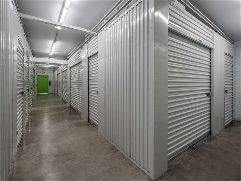Extra Space Storage In Tampa 601 S Falkenburg Rd Self