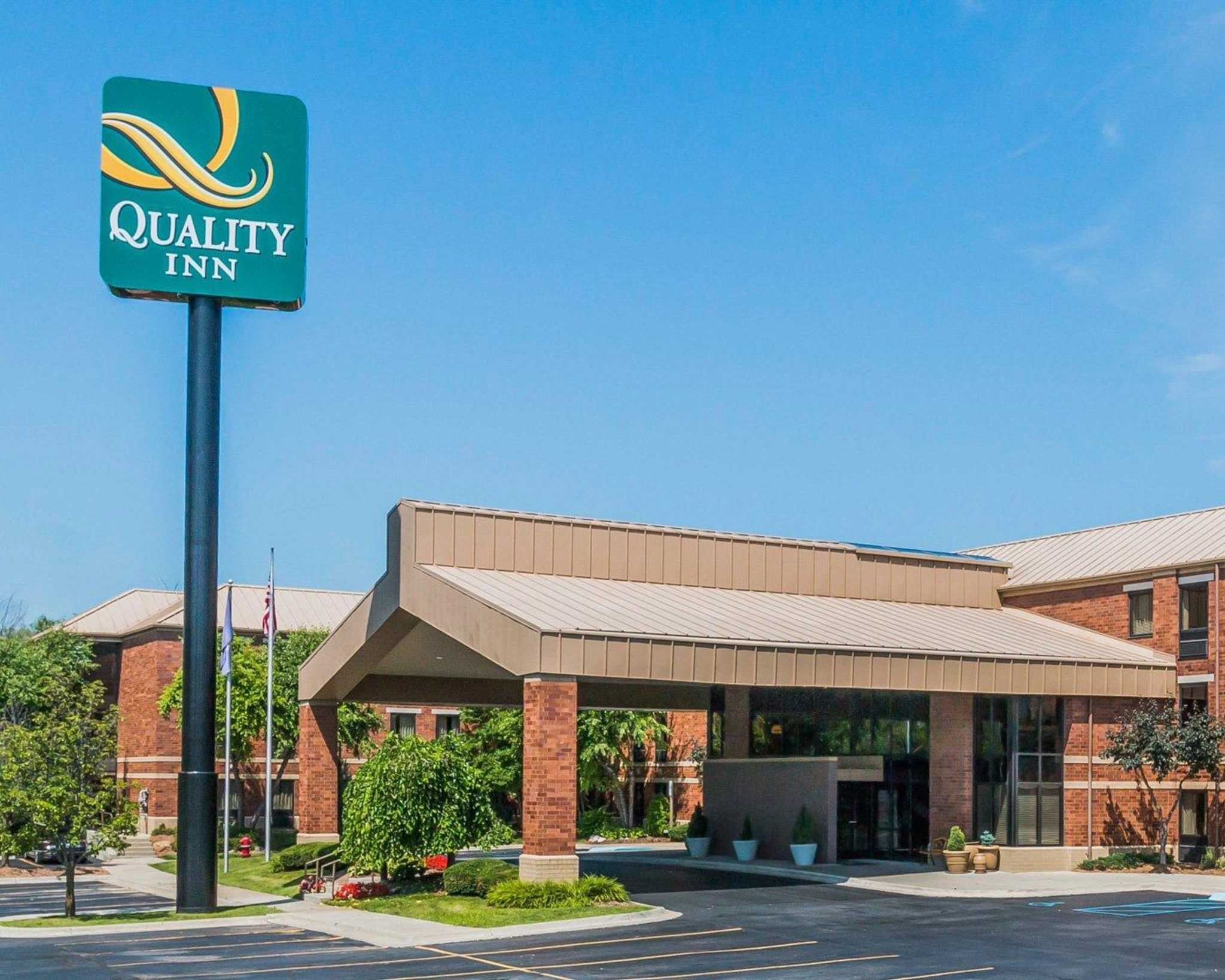 Quality inn auburn hills michigan mi for Quality hotel