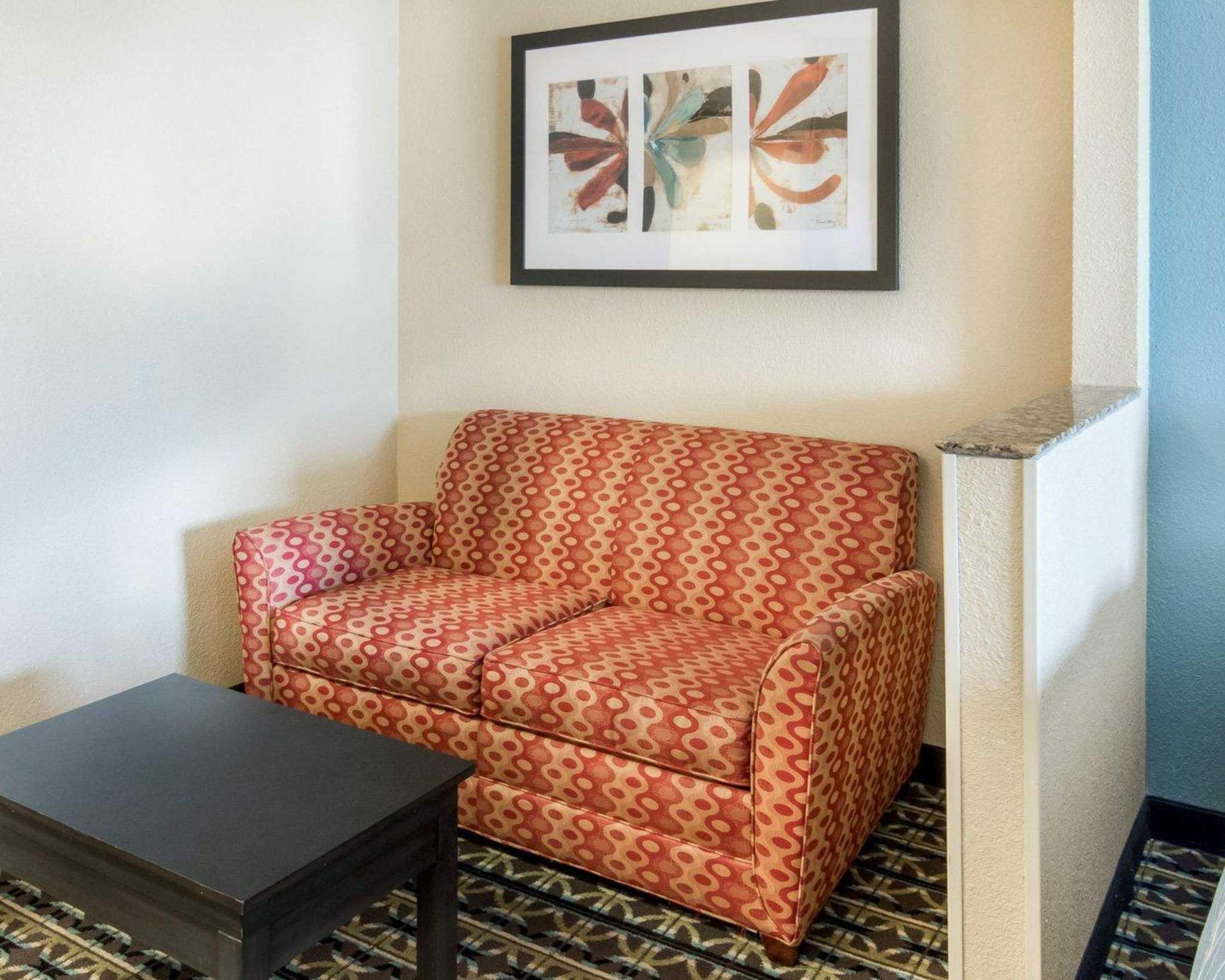 Monroe Louisiana Room Services