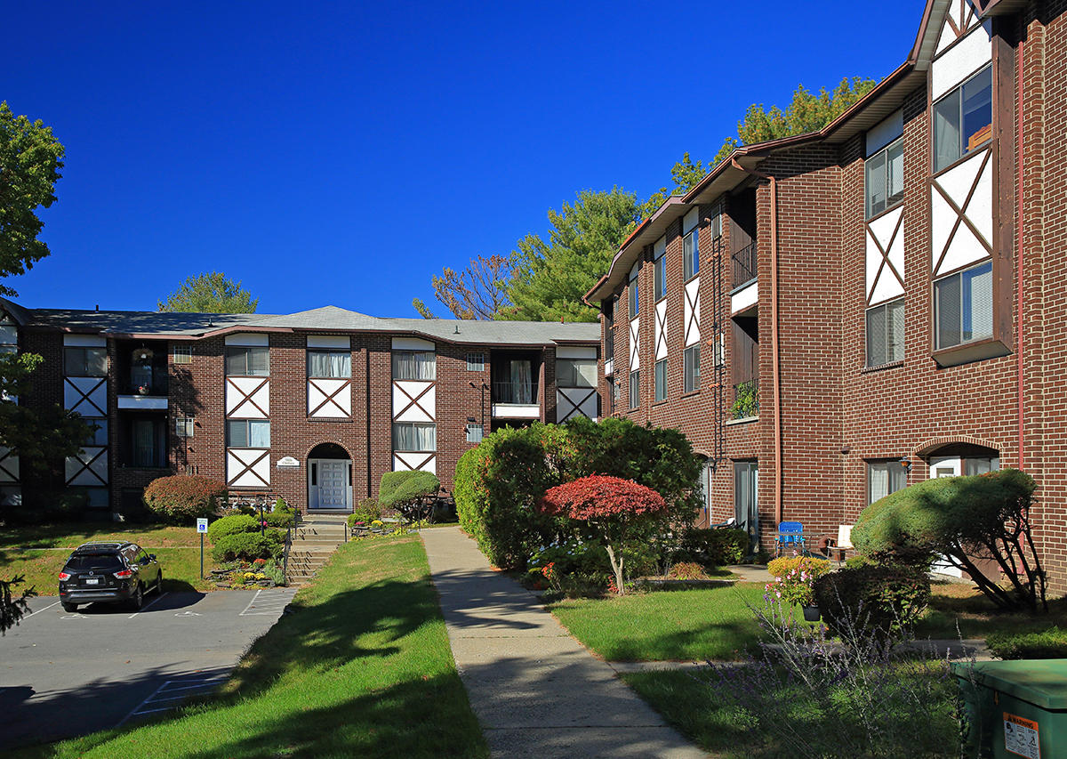 Welcome home to Oxford Heights Oxford Heights Albany (518)456-4822