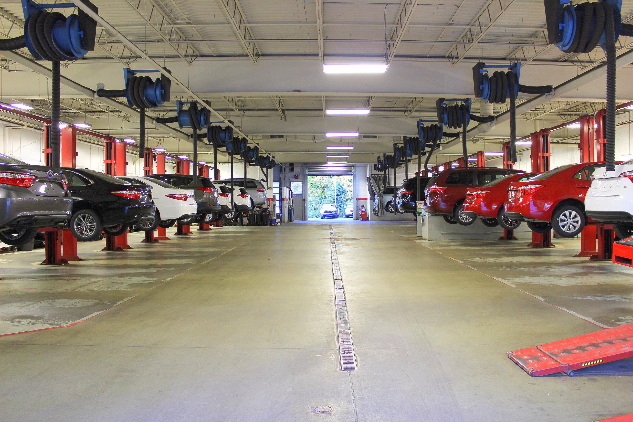 Herb Chambers Toyota of Auburn in Auburn MA