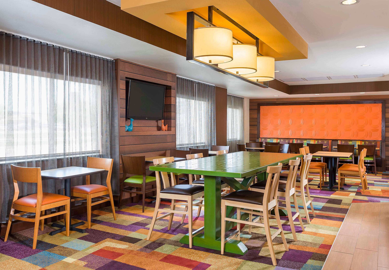 fairfield inn suites by marriott mansfield ontario in. Black Bedroom Furniture Sets. Home Design Ideas