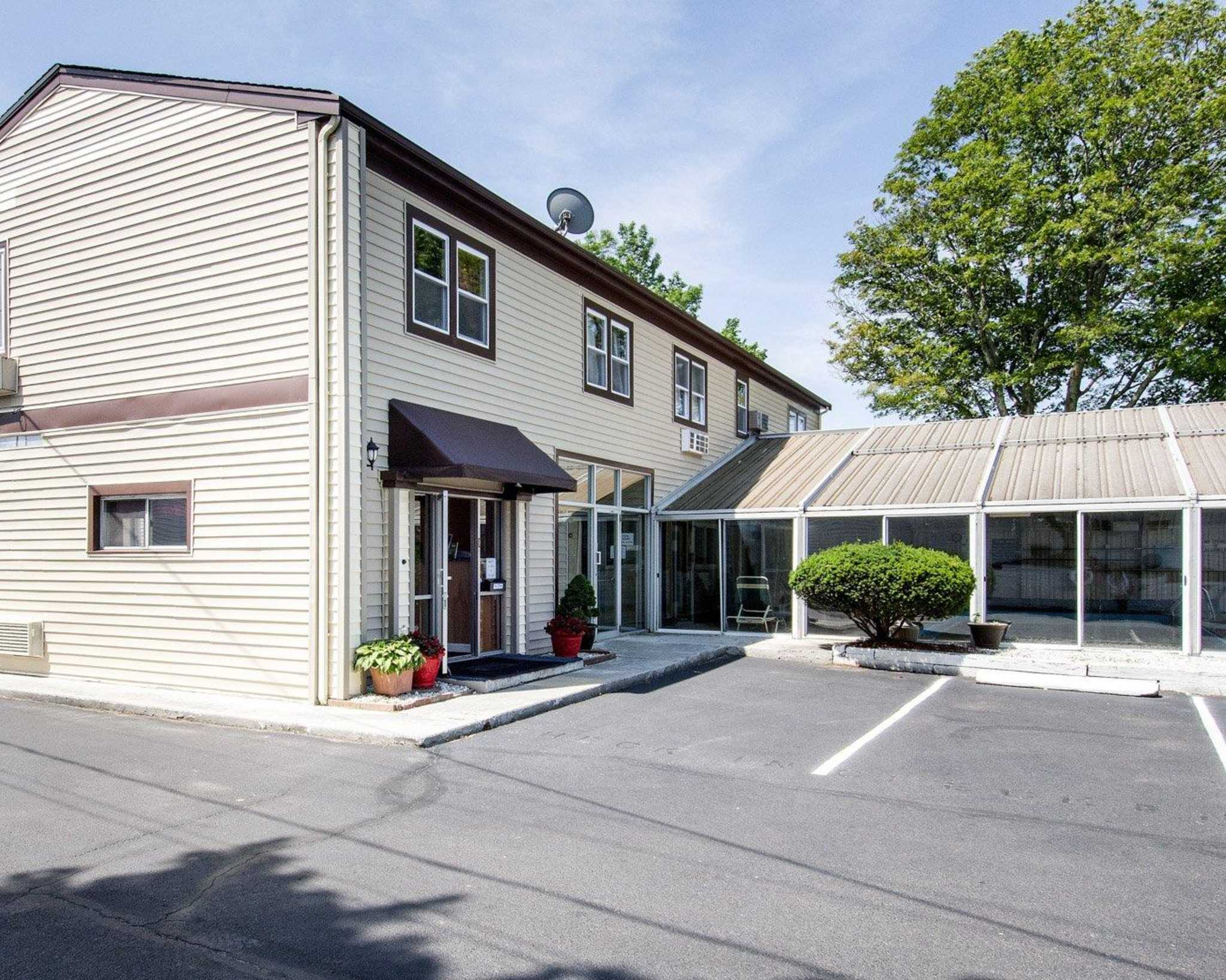 Econo Lodge West Yarmouth Massachusetts Ma