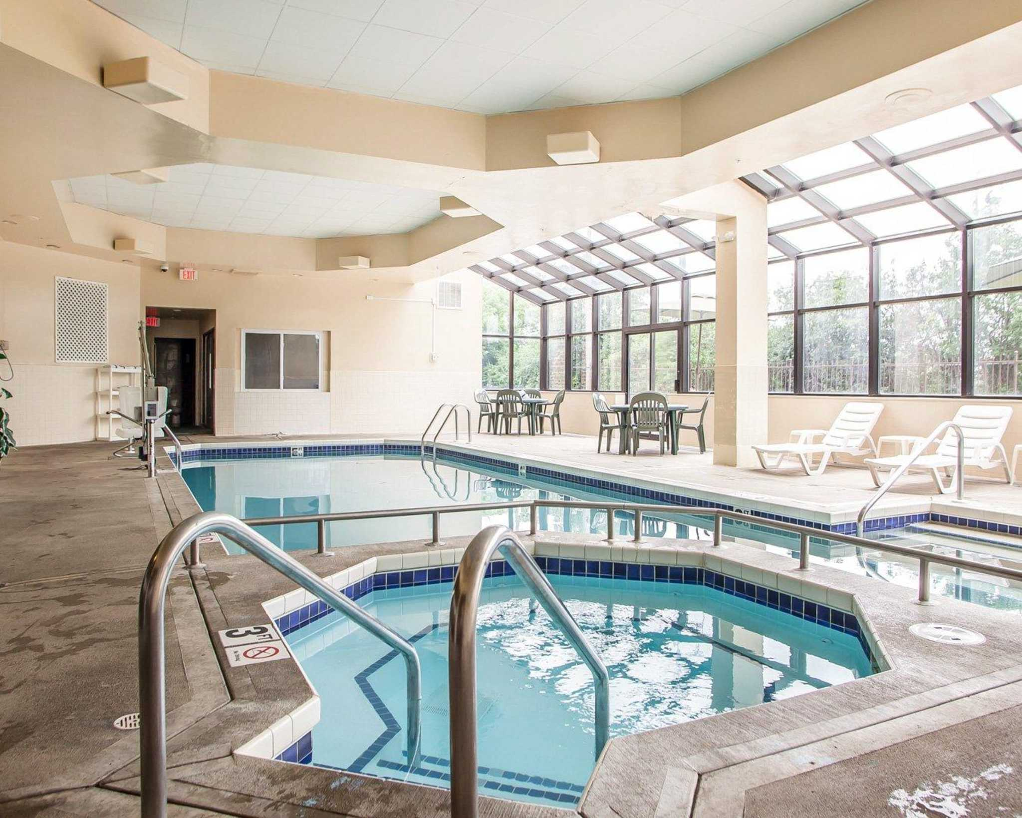 Quality Suites Milwaukee Airport Coupons Near Me In