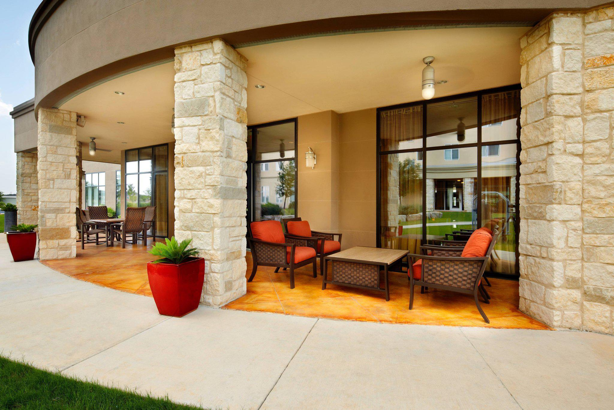 Courtyard By Marriott San Antonio Six Flags 174 At The Rim