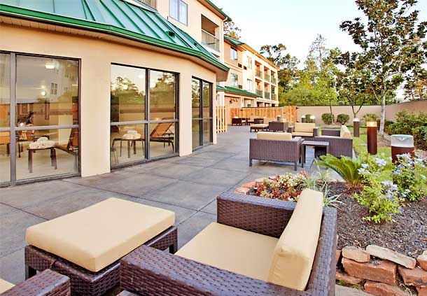 Courtyard by Marriott Houston The Woodlands image 3