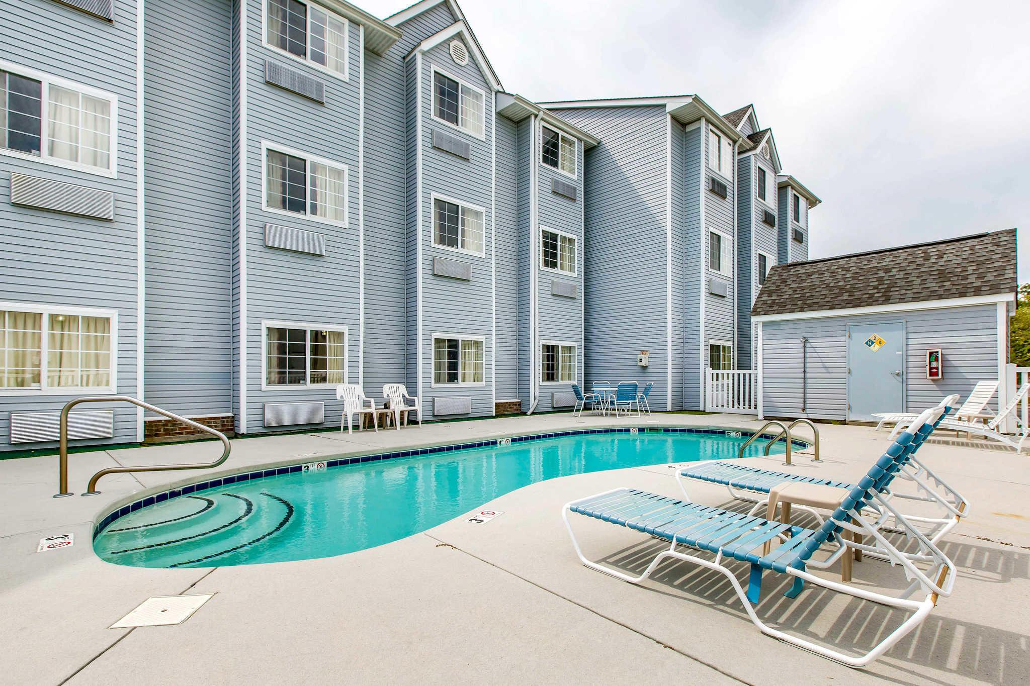 Rodeway Inn Amp Suites Shallotte North Carolina