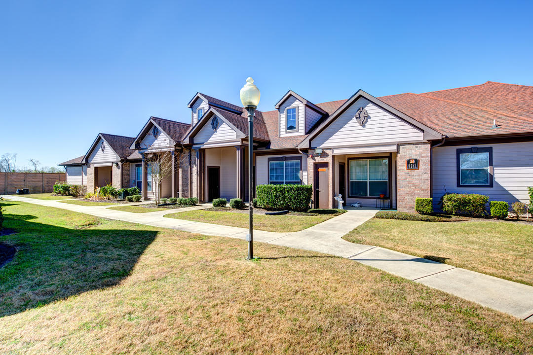 Attiva Pearland Active Living Apartments by Cortland