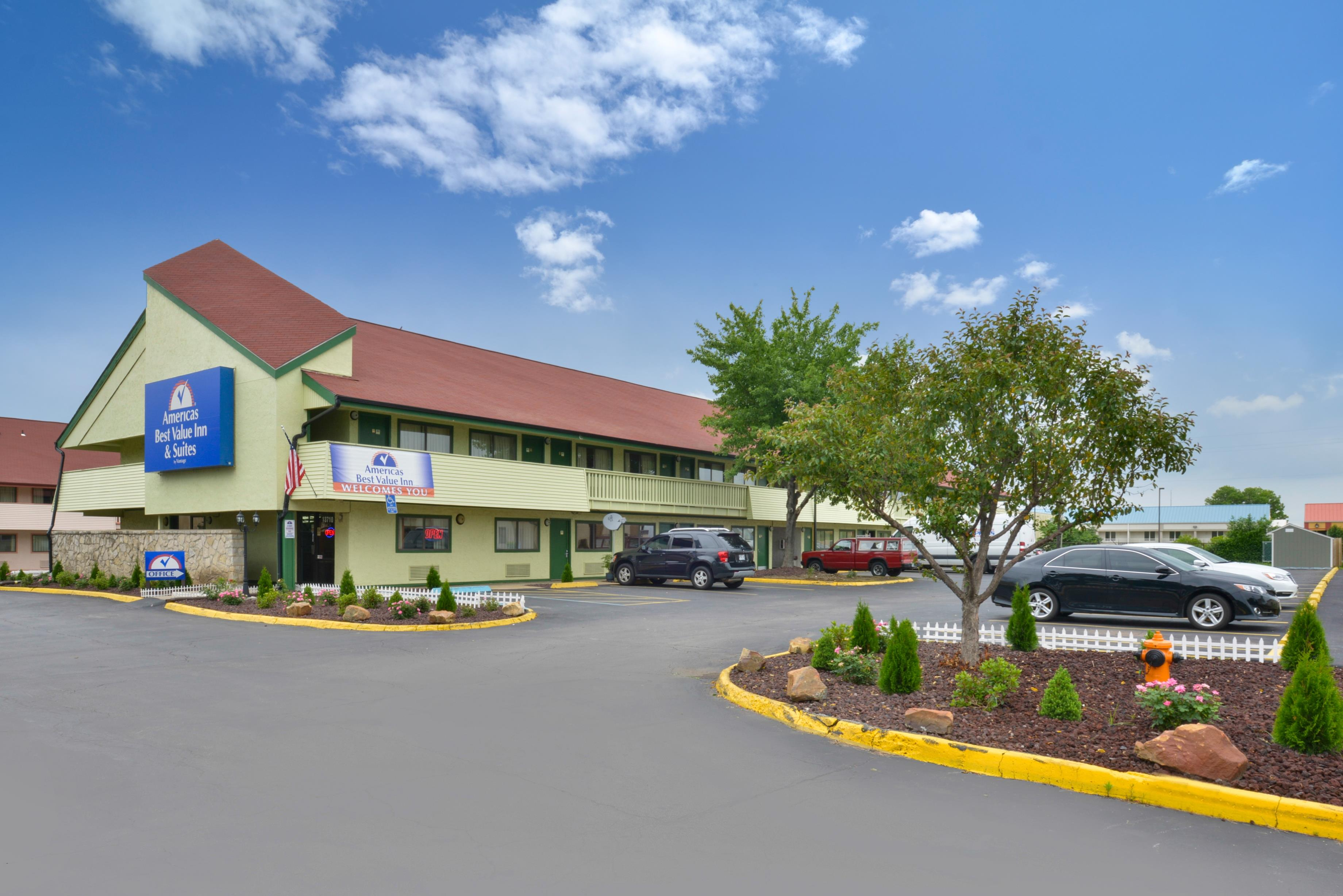 Americas best value inn kansas city east independence for Americas best coupons