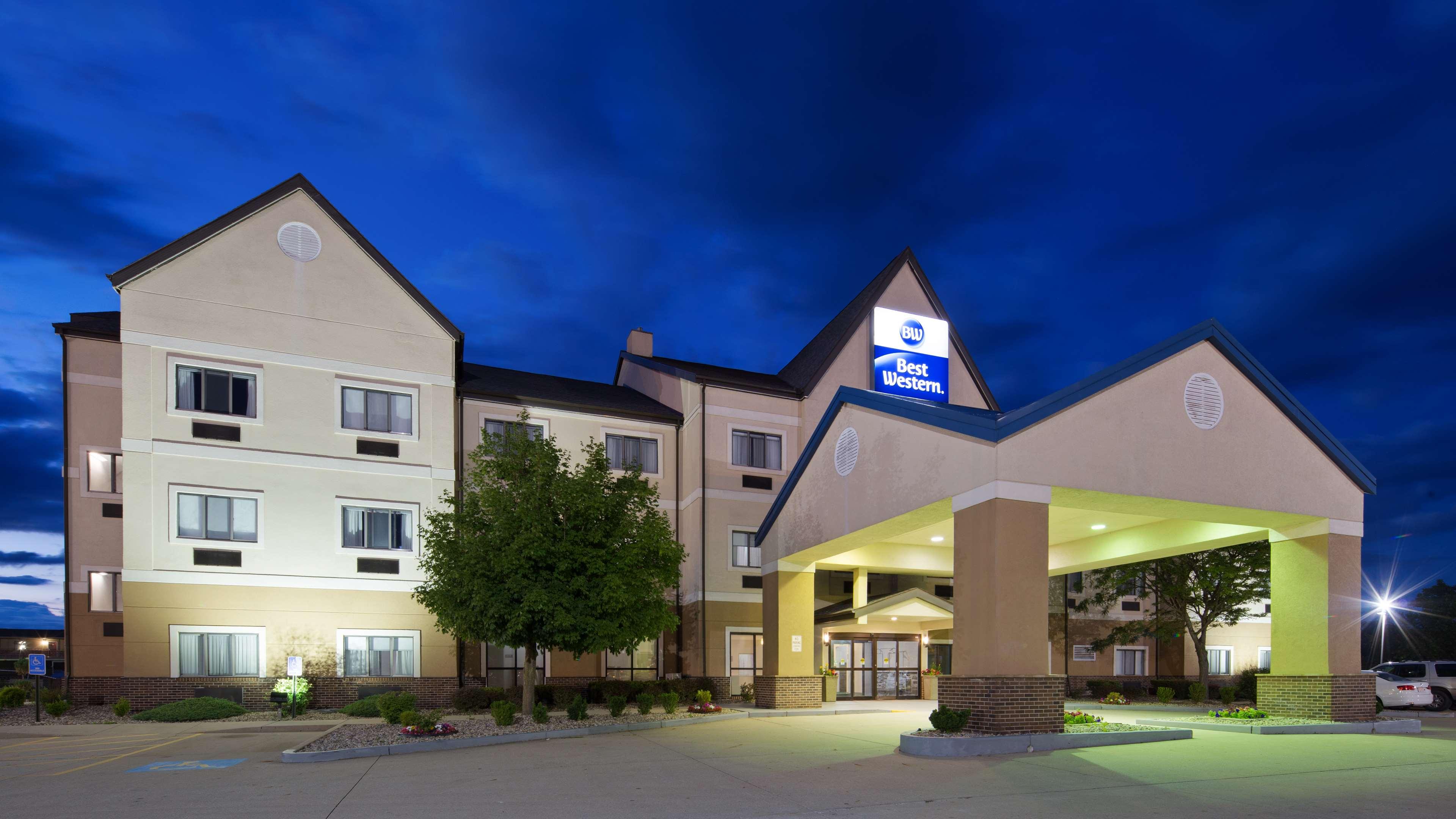 Best western inn suites elkhart indiana in for The garden inn elkhart indiana