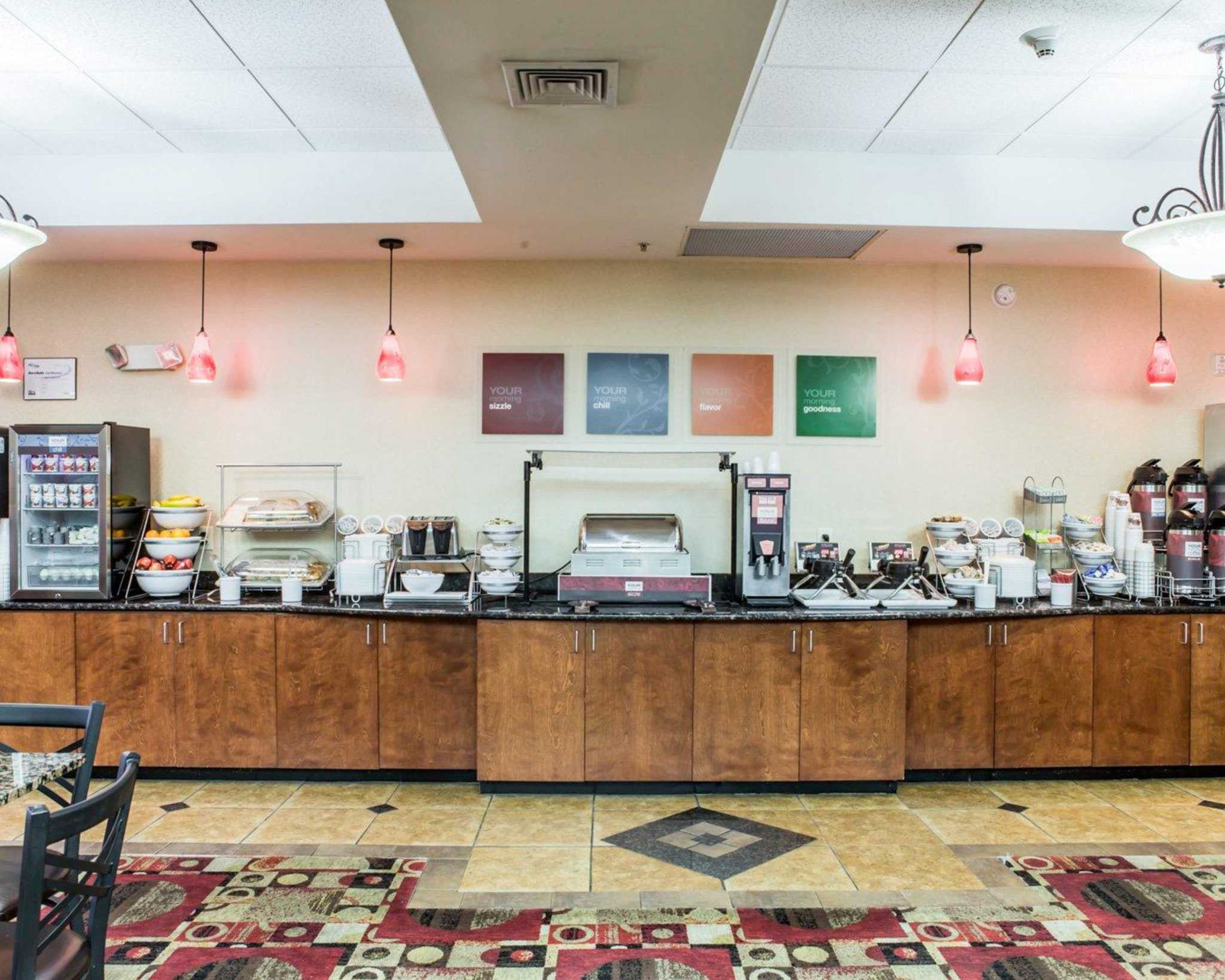 Comfort Suites Four Seasons In Greensboro Nc 27407