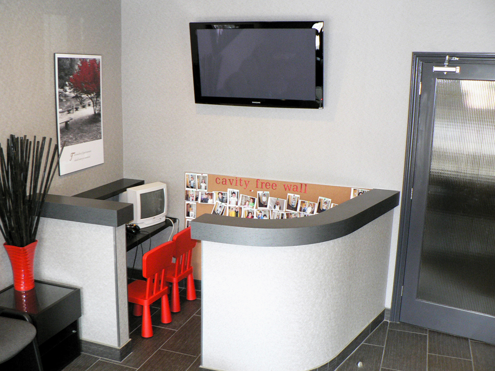 Meadowlands Dental Office in Ancaster: Children's play area with cavity free wall, video games and more!