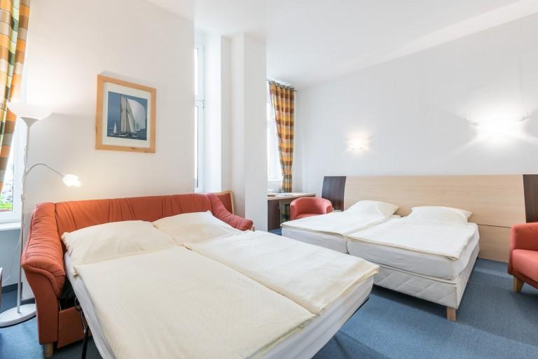 pension prenzlberg gmbh herbergen berlin deutschland tel 03043778. Black Bedroom Furniture Sets. Home Design Ideas