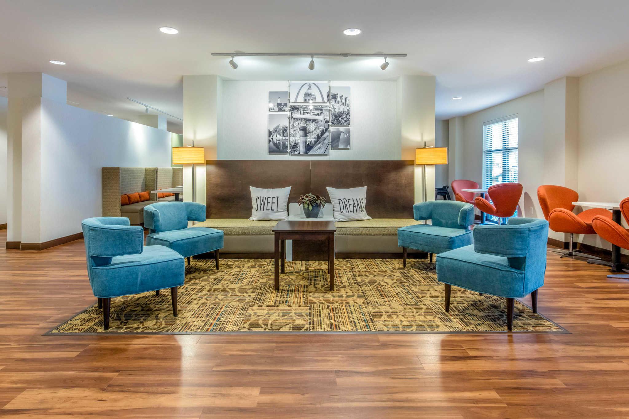 Pet Friendly Hotels St Louis Airport