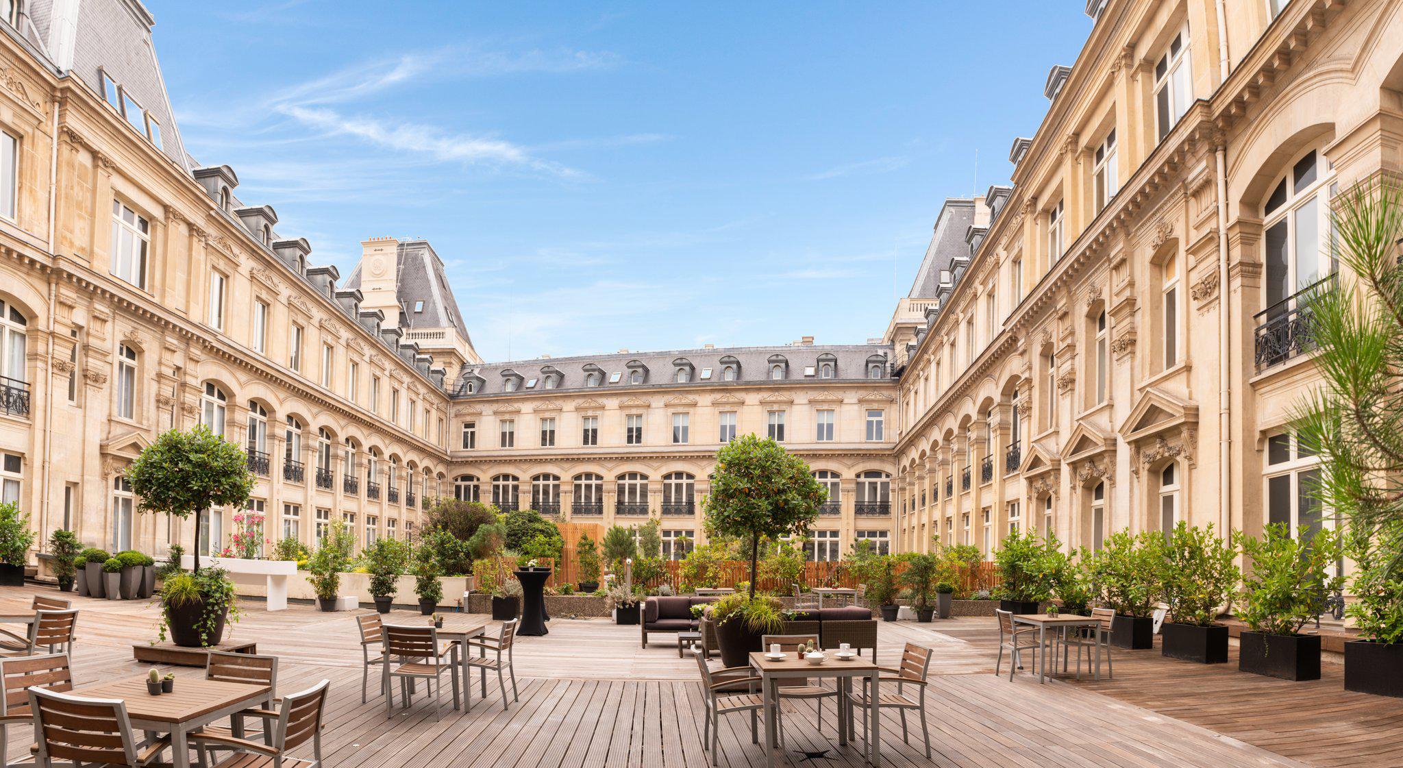 Crowne Plaza Paris - Republique, an IHG Hotel