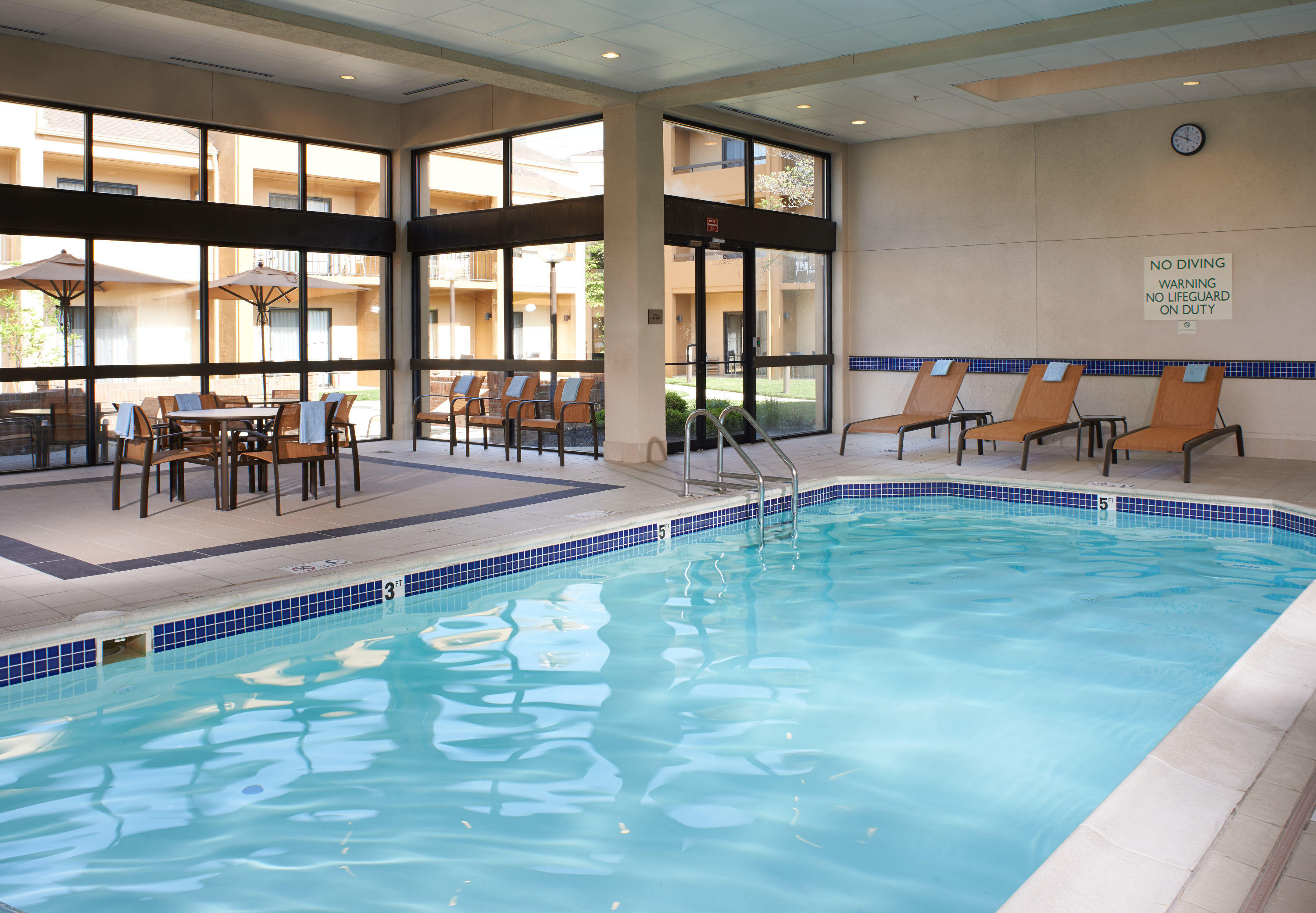 Hotels Near Dublin Zoo With Pool