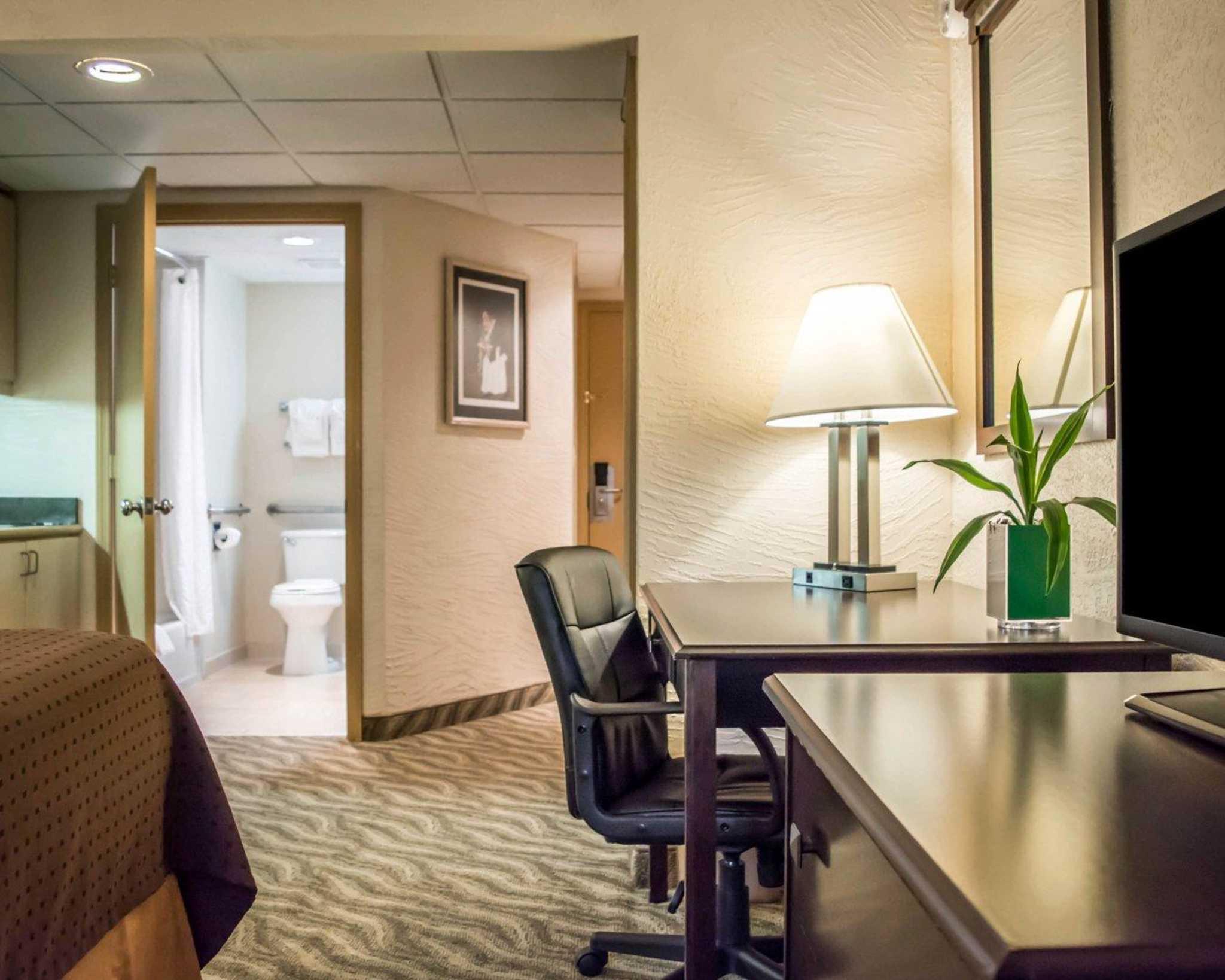 Hotel Suites Near Brandon Florida