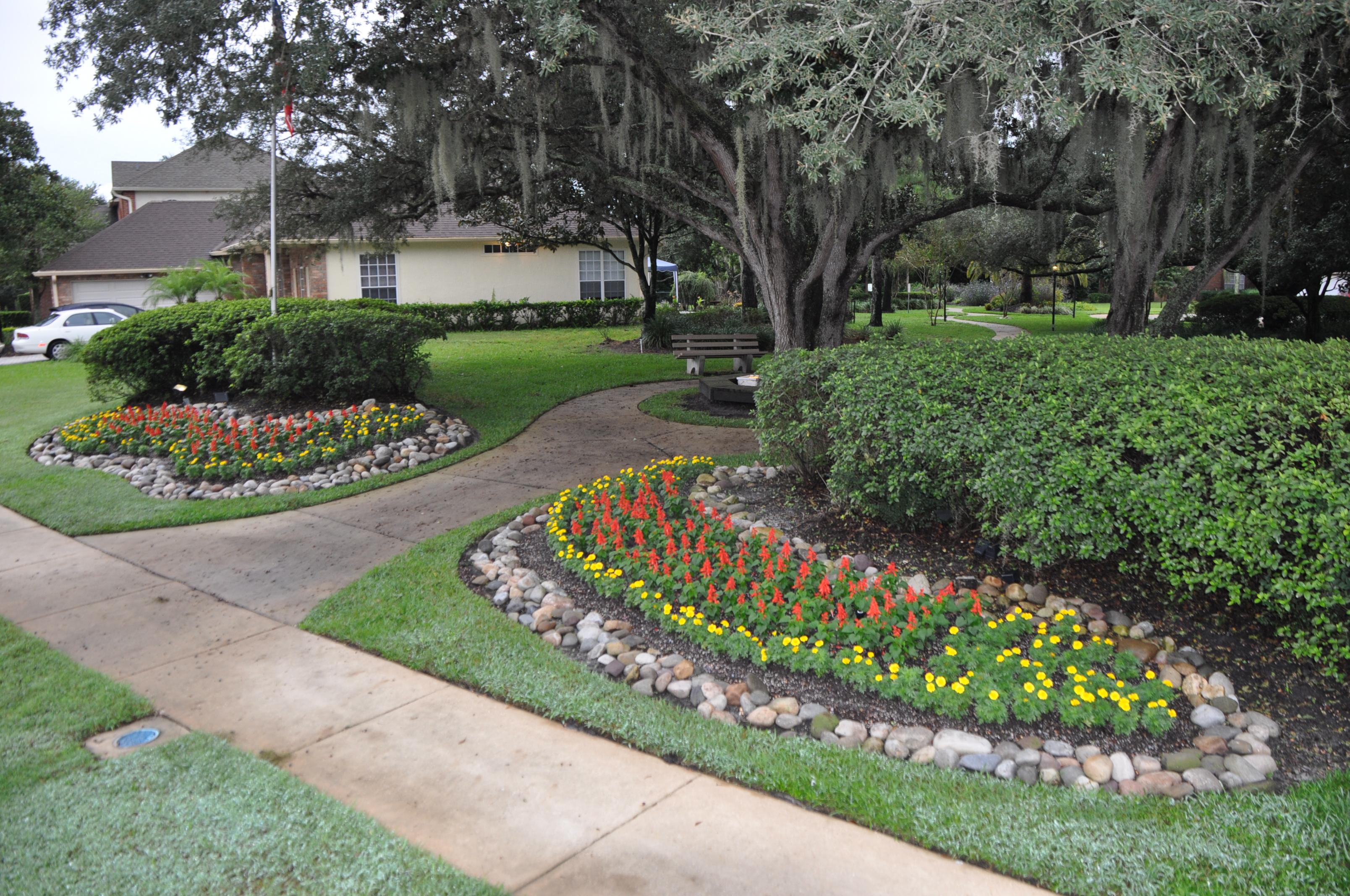 Ds landscape maintenance casselberry florida fl for Landscape maintenance