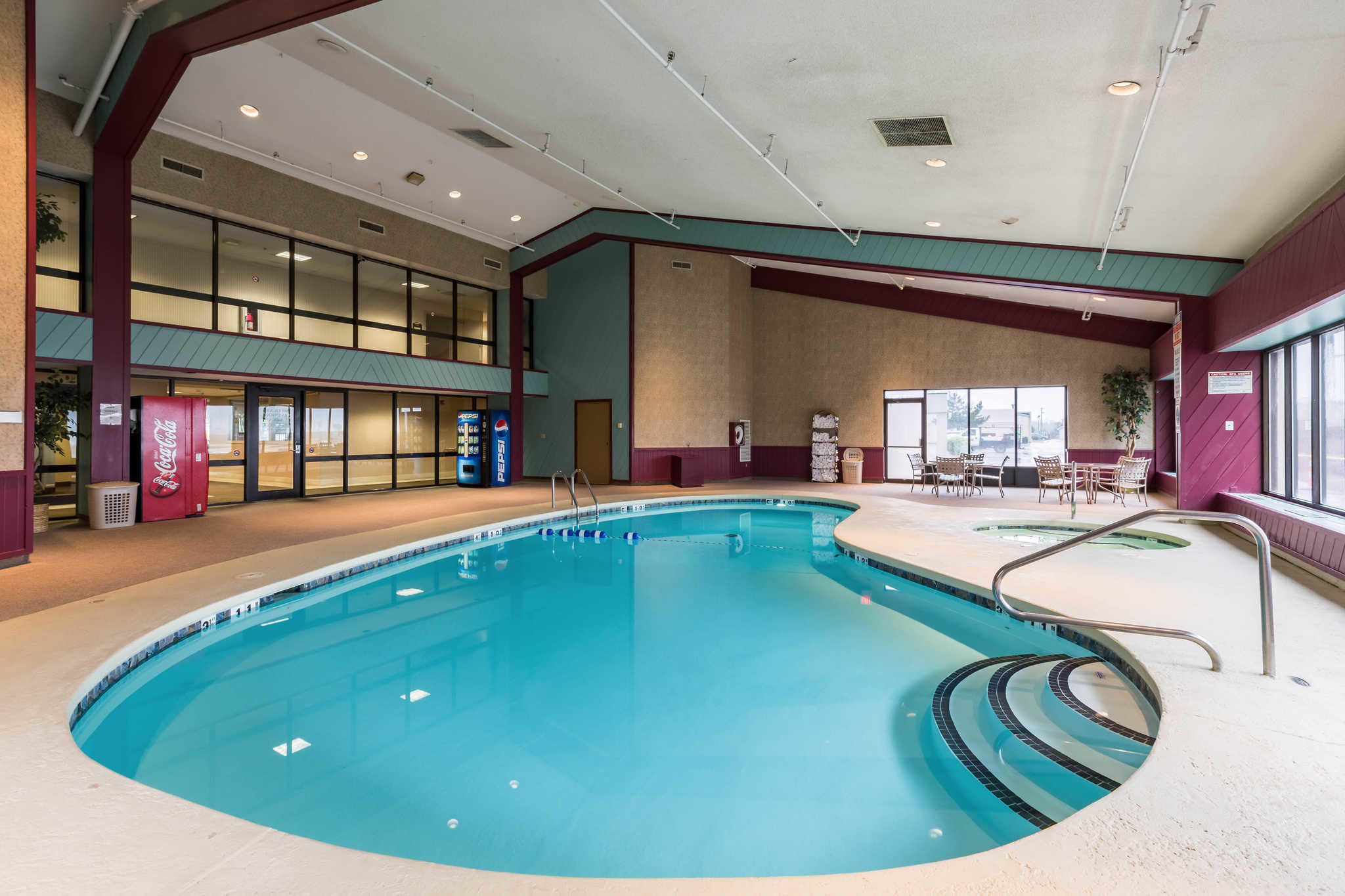 Hotels Near Me With Pool And Smoking Rooms