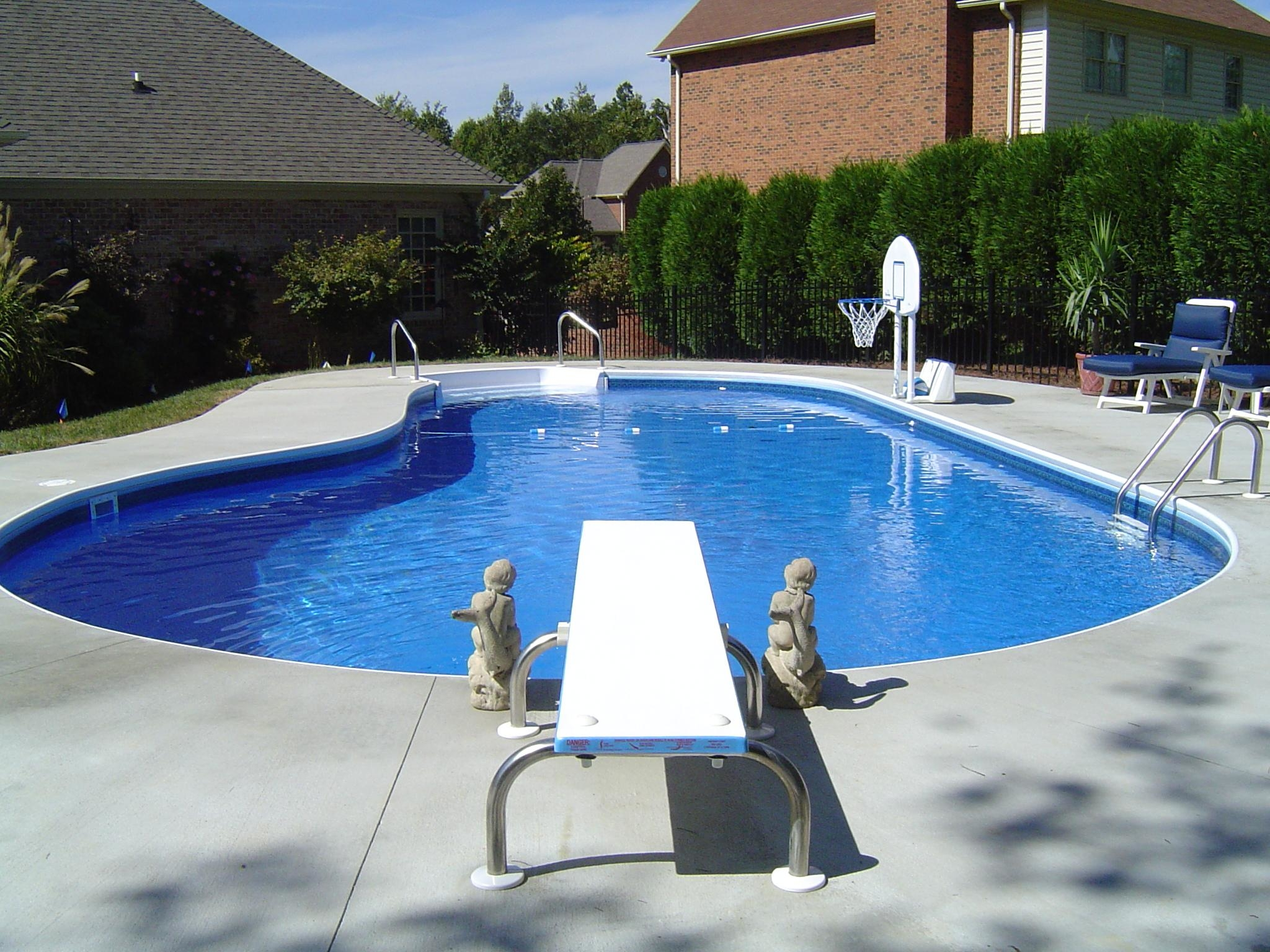 Holiday pools of winston salem inc 5730 country club rd for Swimming pool dealers